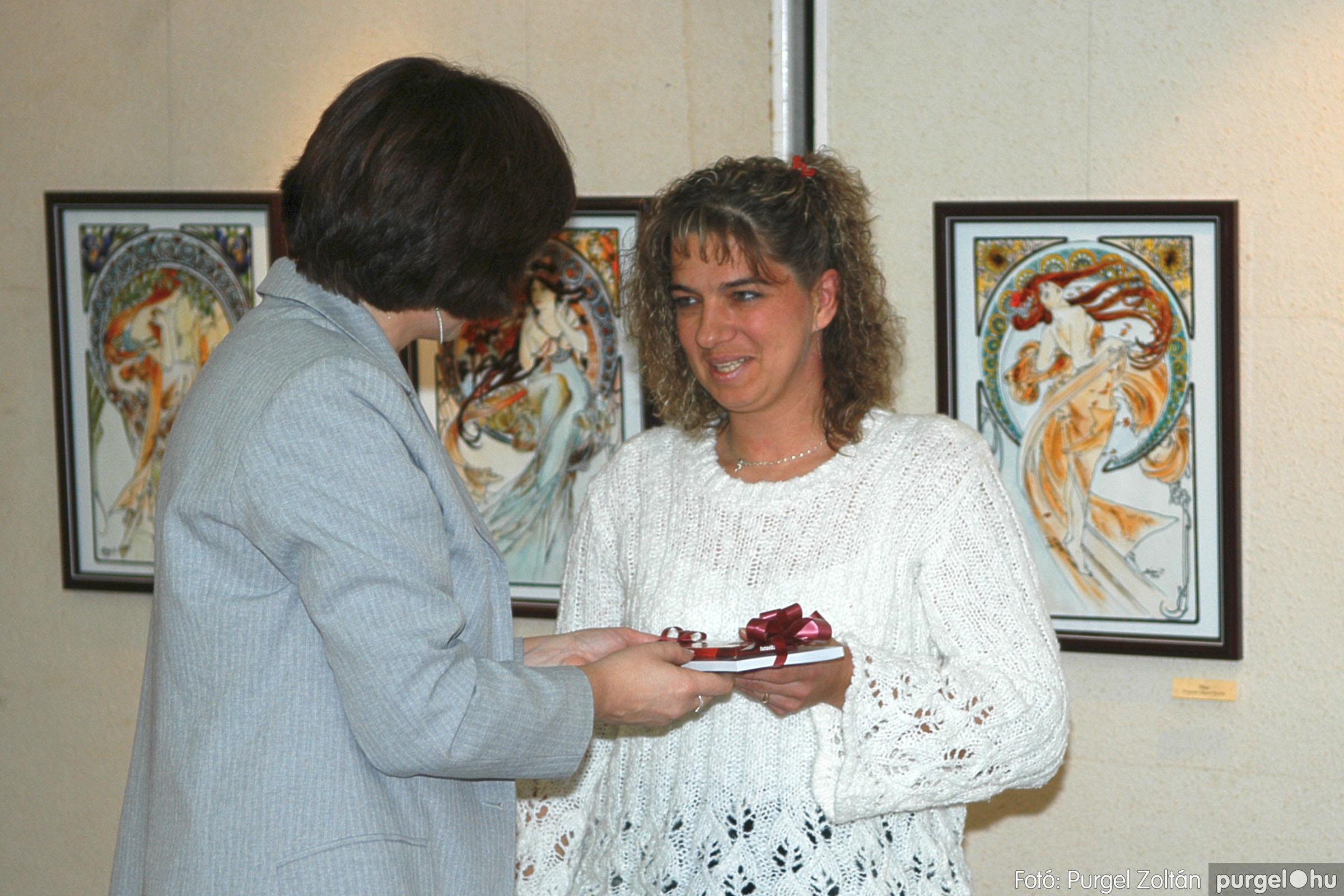 2005.11.28. 005 Prágainé Mágori Aranka kiállítása - Fotó:PURGEL ZOLTÁN© DSC_0006q.jpg