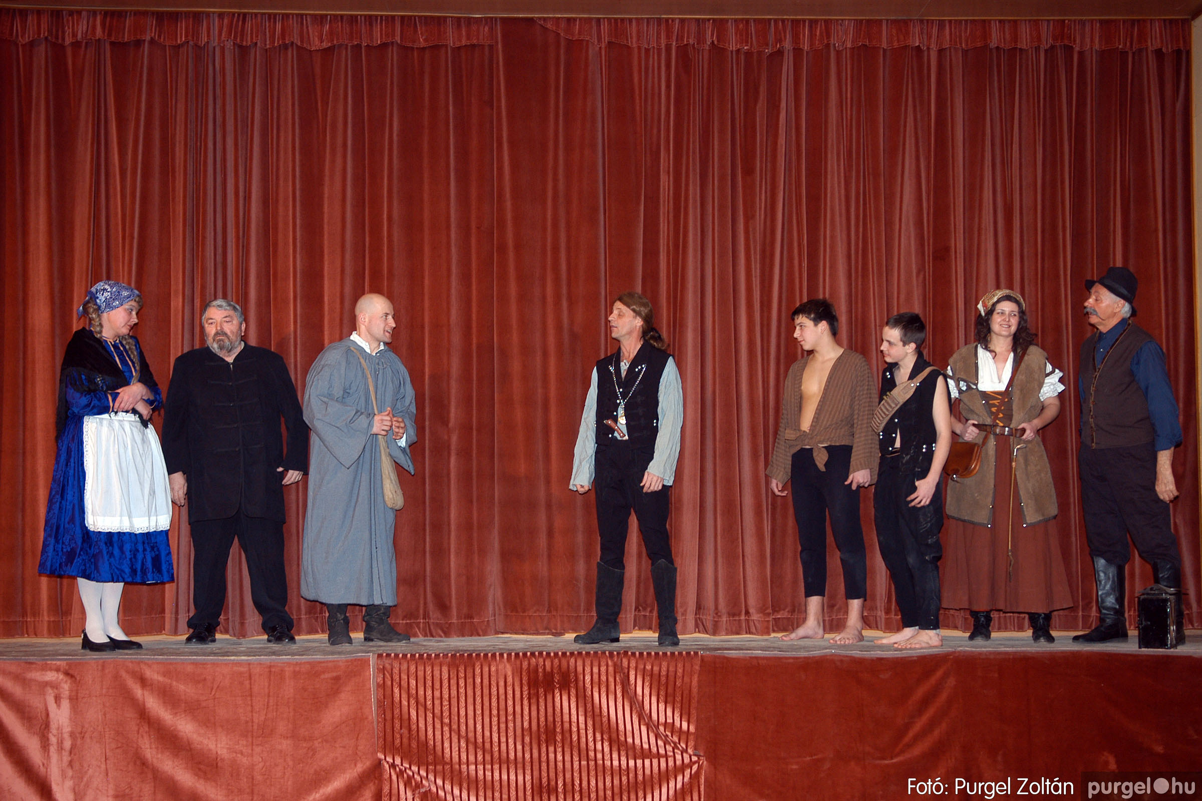 2006.01.28. 013 Színházi est az algyői Móra Ferenc Népszínházzal - Fotó:PURGEL ZOLTÁN© DSC_0237q.jpg