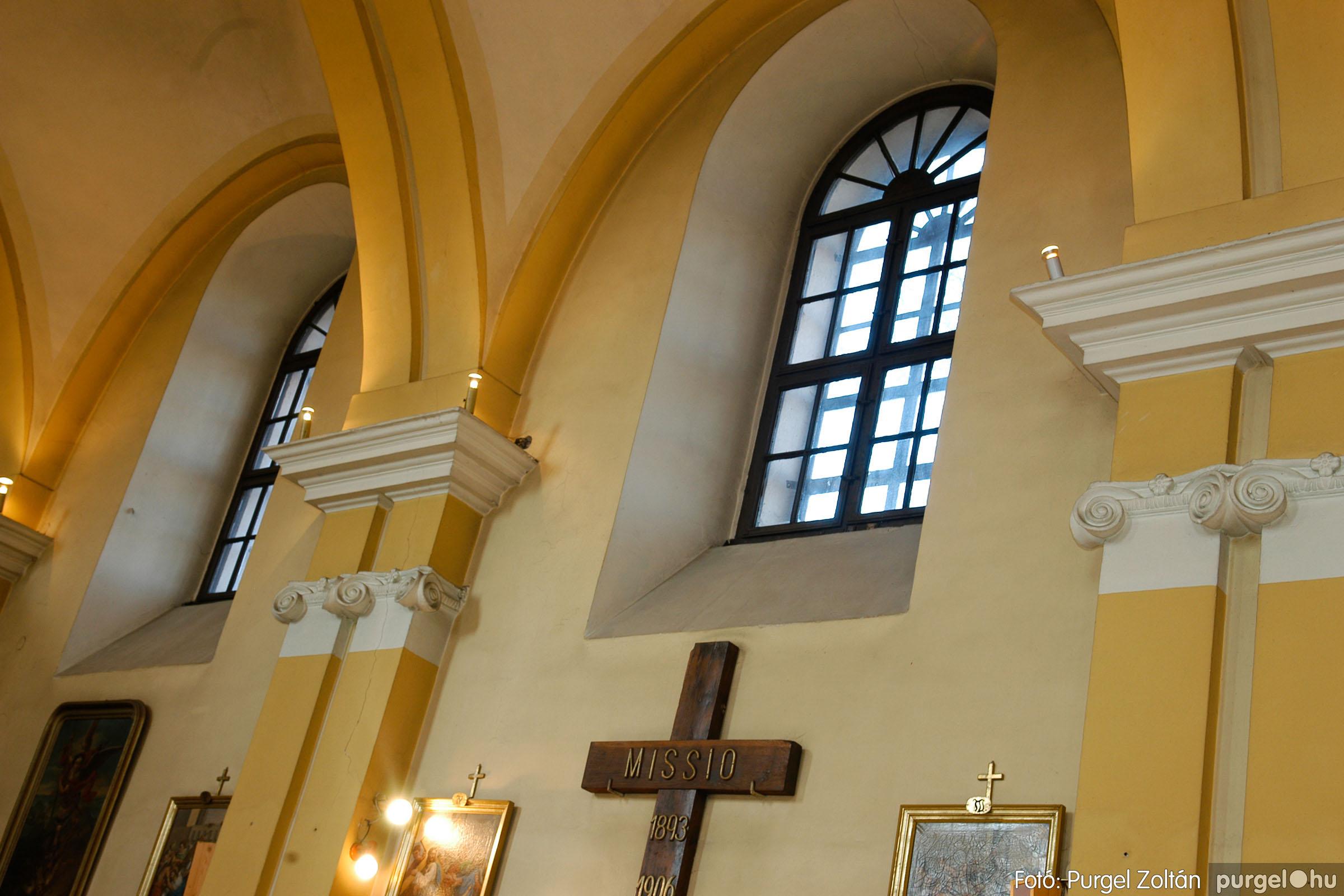 2006.02.06. 064 Látogatás a szegvári Kisboldogasszony Templomban - Fotó:PURGEL ZOLTÁN© DSC_0132q.jpg
