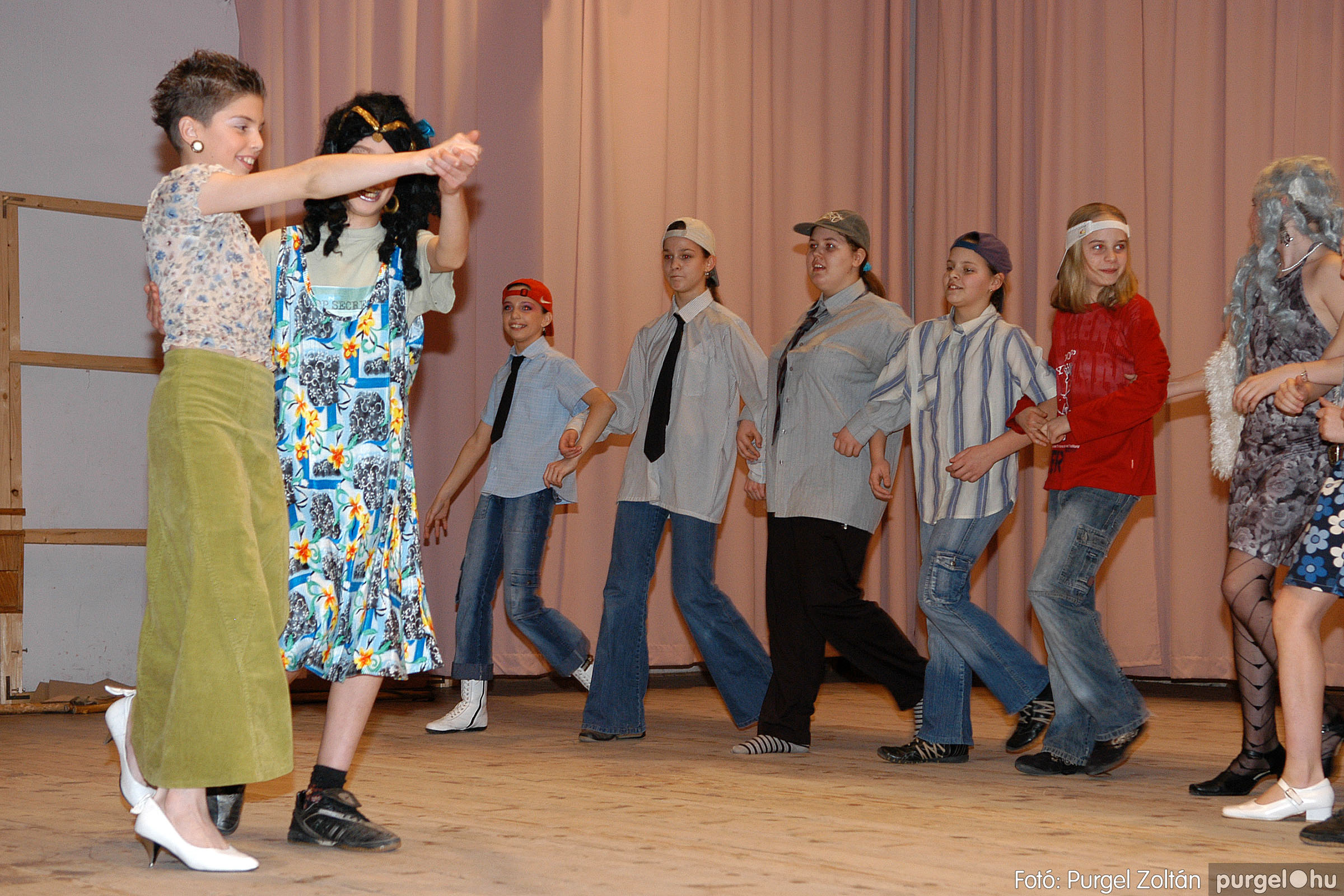 2006.03.16. 088 Forray Máté Általános Iskola ünnepi műsor - Fotó:PURGEL ZOLTÁN© DSC_0173q.jpg