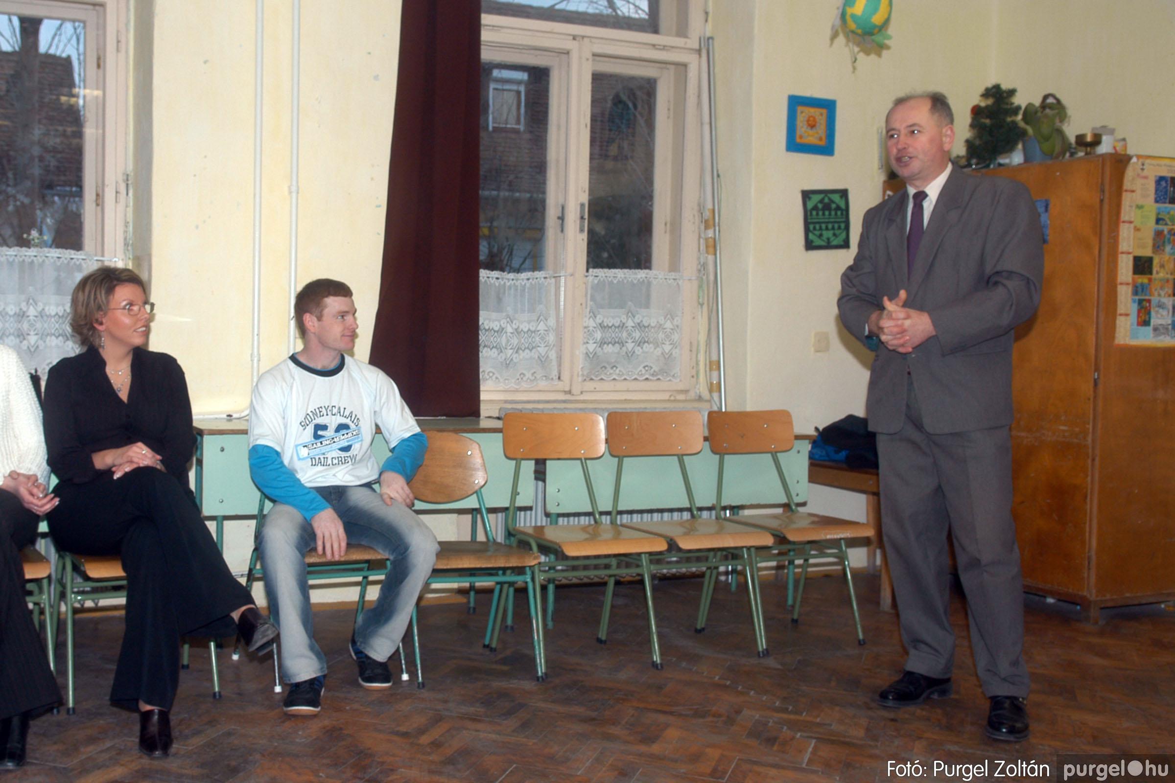 2006.03.11. 003 Forray Máté Általános Iskola osztálytalálkozó - Fotó:PURGEL ZOLTÁN© DSC_0004q.jpg