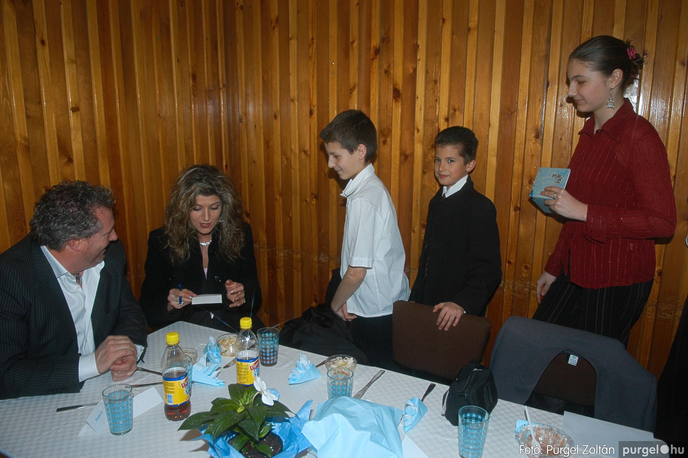 2006.03.11. 032 Kurca-parti Óvoda jótékonysági bál - Fotó:PURGEL ZOLTÁN© DSC_0068q.jpg