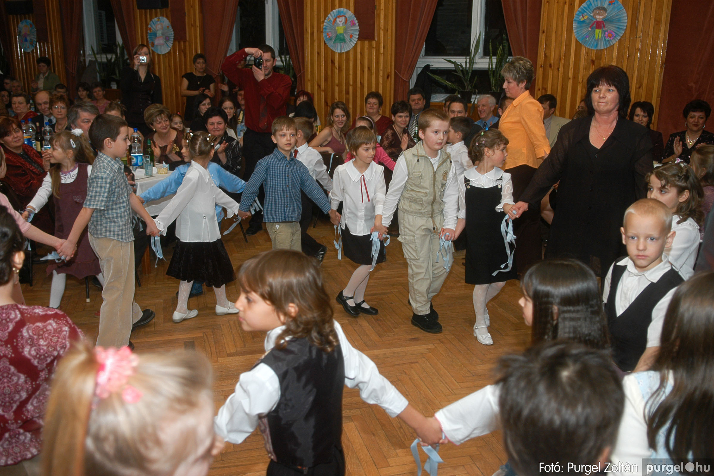 2006.03.11. 013 Kurca-parti Óvoda jótékonysági bál - Fotó:PURGEL ZOLTÁN© DSC_0040q.jpg