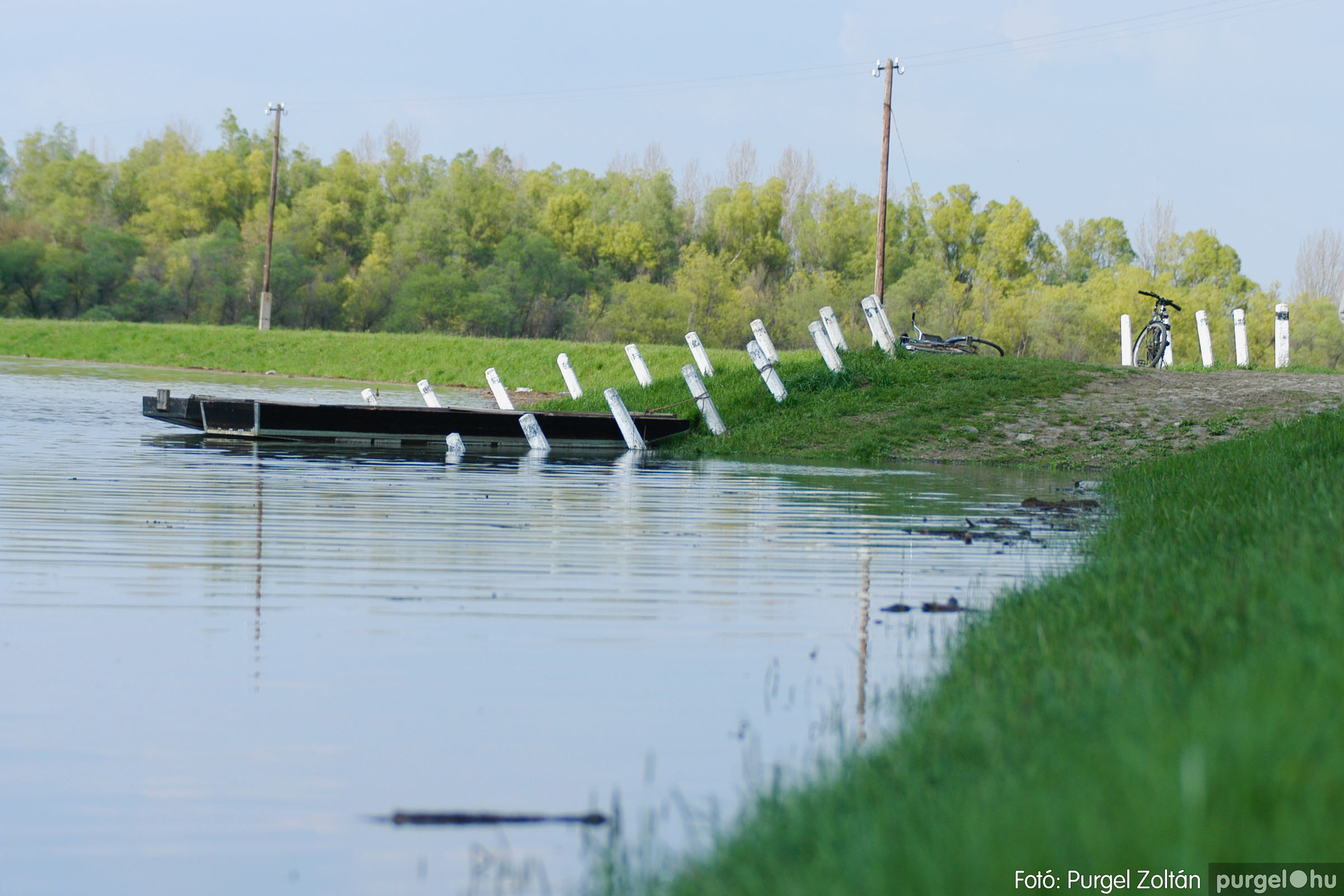 2006.04.17. 011 Tisza áradás - Fotó:PURGEL ZOLTÁN© DSC_0029q.jpg