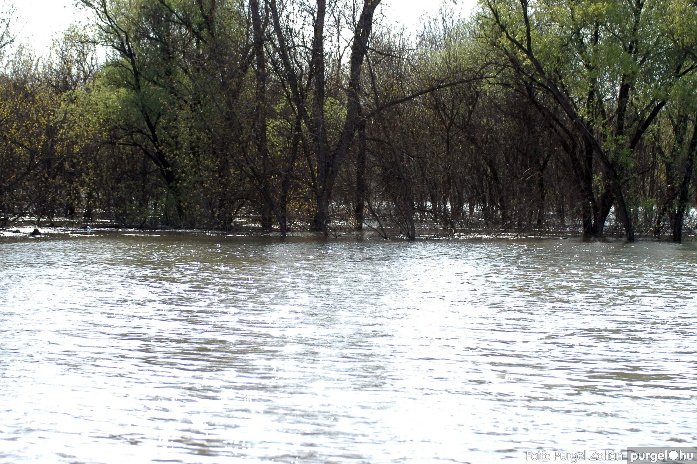 2006.04.17. 016 Tisza áradás - Fotó:PURGEL ZOLTÁN© DSC_0033q.jpg
