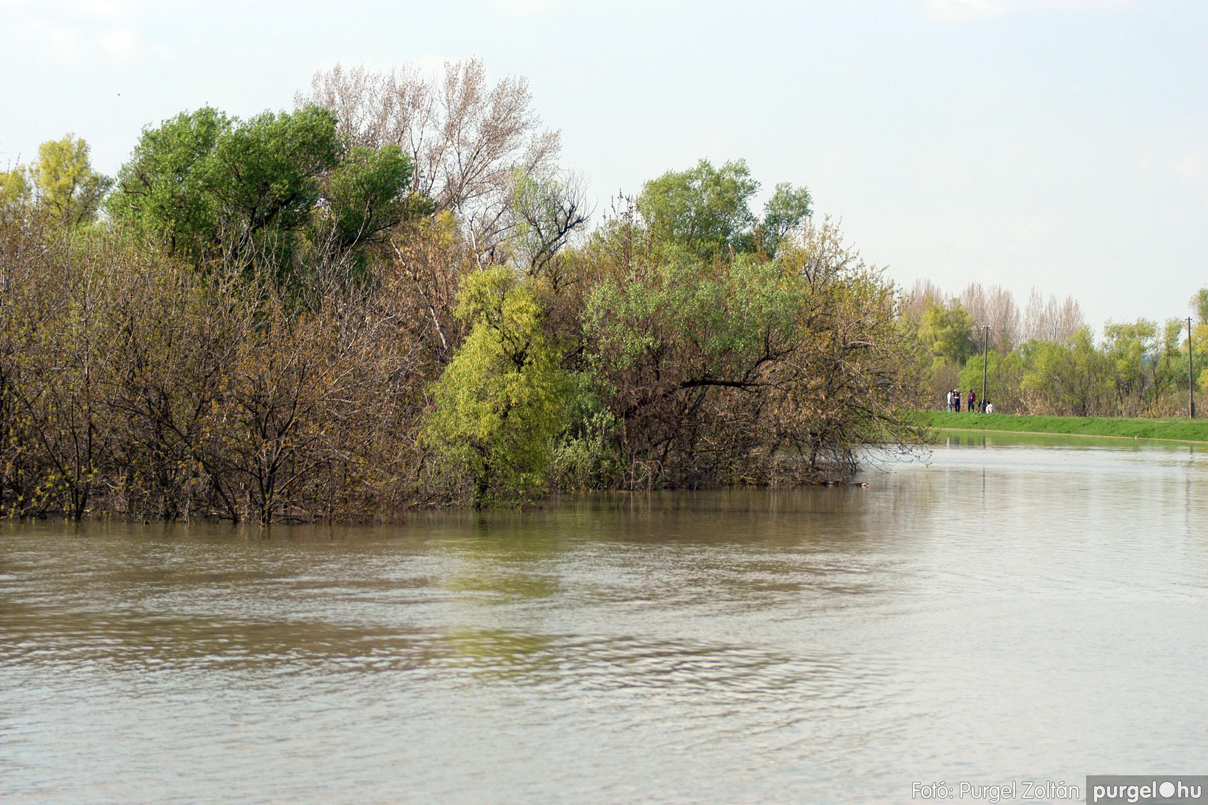 2006.04.17. 015 Tisza áradás - Fotó:PURGEL ZOLTÁN© DSC_0032q.jpg
