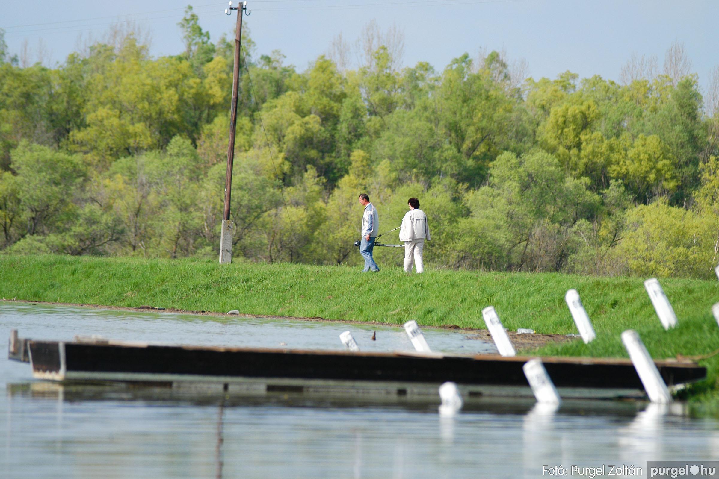 2006.04.17. 008 Tisza áradás - Fotó:PURGEL ZOLTÁN© DSC_0024q.jpg