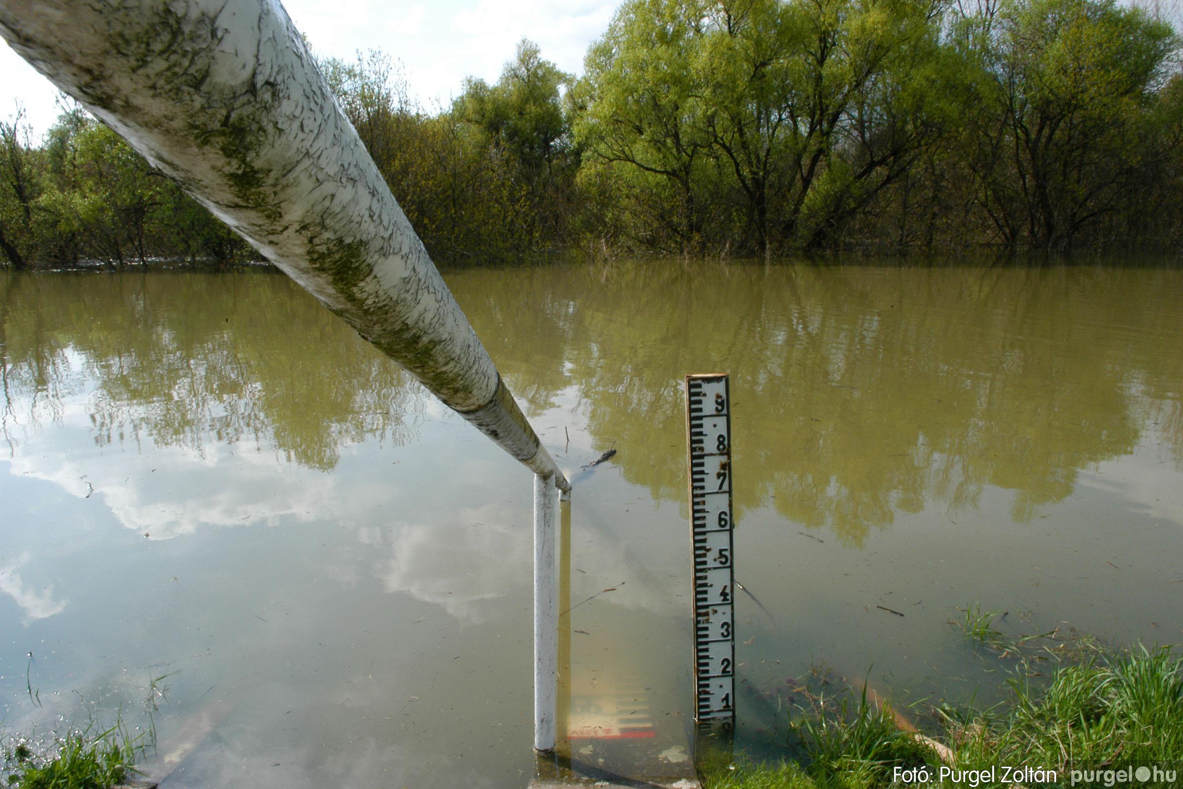 2006.04.17. 001 Tisza áradás - Fotó:PURGEL ZOLTÁN© DSC_0004q.jpg