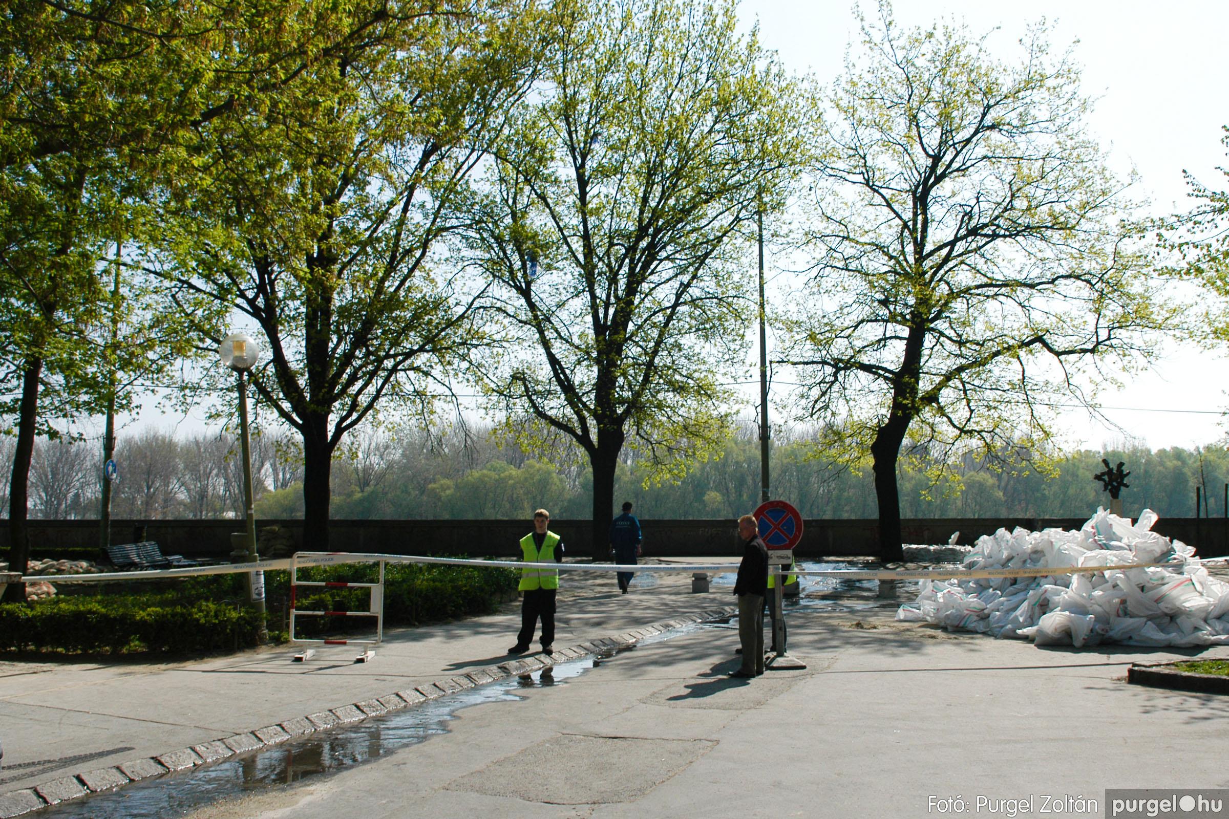 2006.04.18. 022 A Tisza Szegednél - Fotó:PURGEL ZOLTÁN© DSC_0066q.jpg