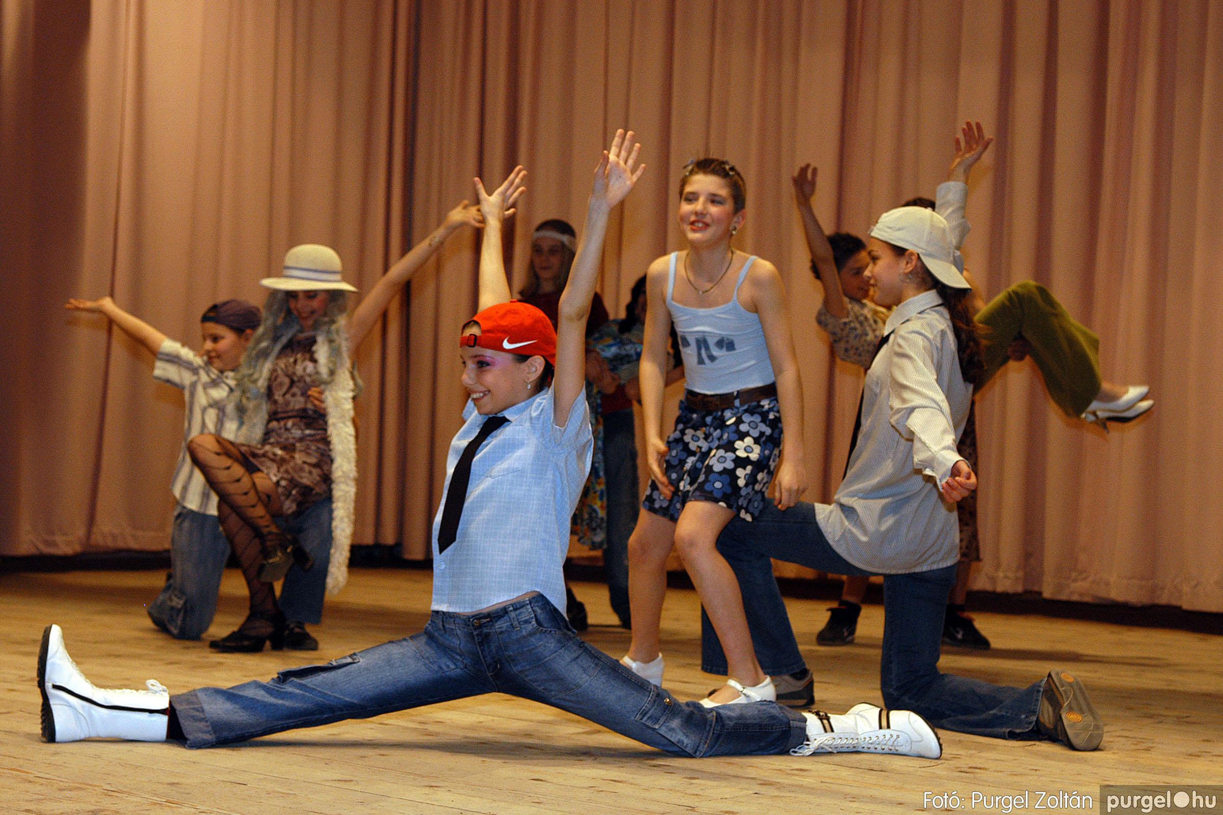 2006.03.16. 094 Forray Máté Általános Iskola ünnepi műsor - Fotó:PURGEL ZOLTÁN© DSC_0183q.jpg