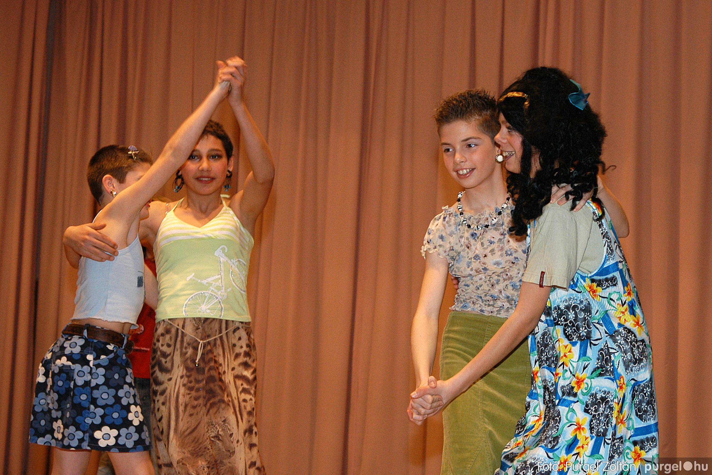 2006.03.16. 091 Forray Máté Általános Iskola ünnepi műsor - Fotó:PURGEL ZOLTÁN© DSC_0177q.jpg