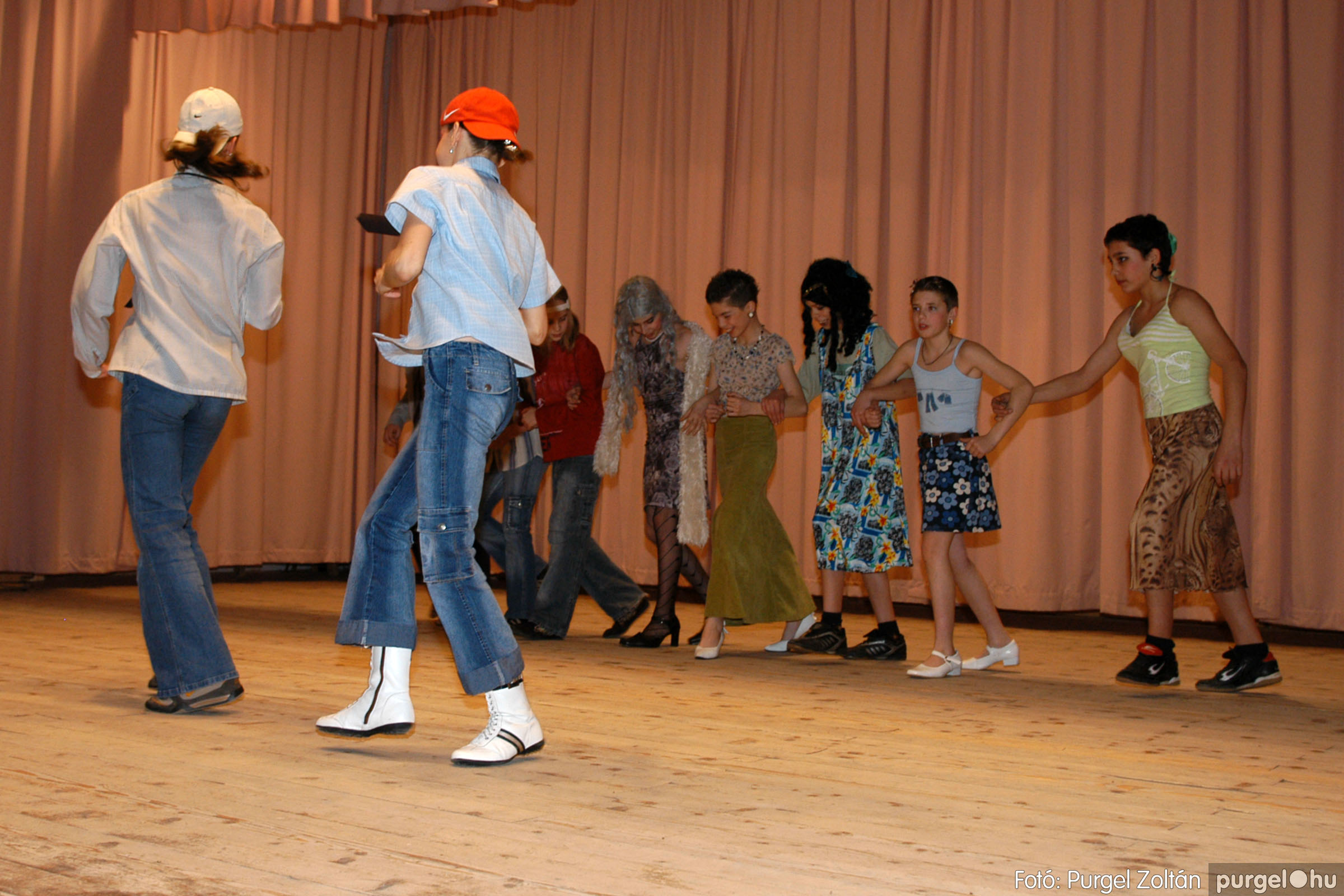 2006.03.16. 085 Forray Máté Általános Iskola ünnepi műsor - Fotó:PURGEL ZOLTÁN© DSC_0170q.jpg