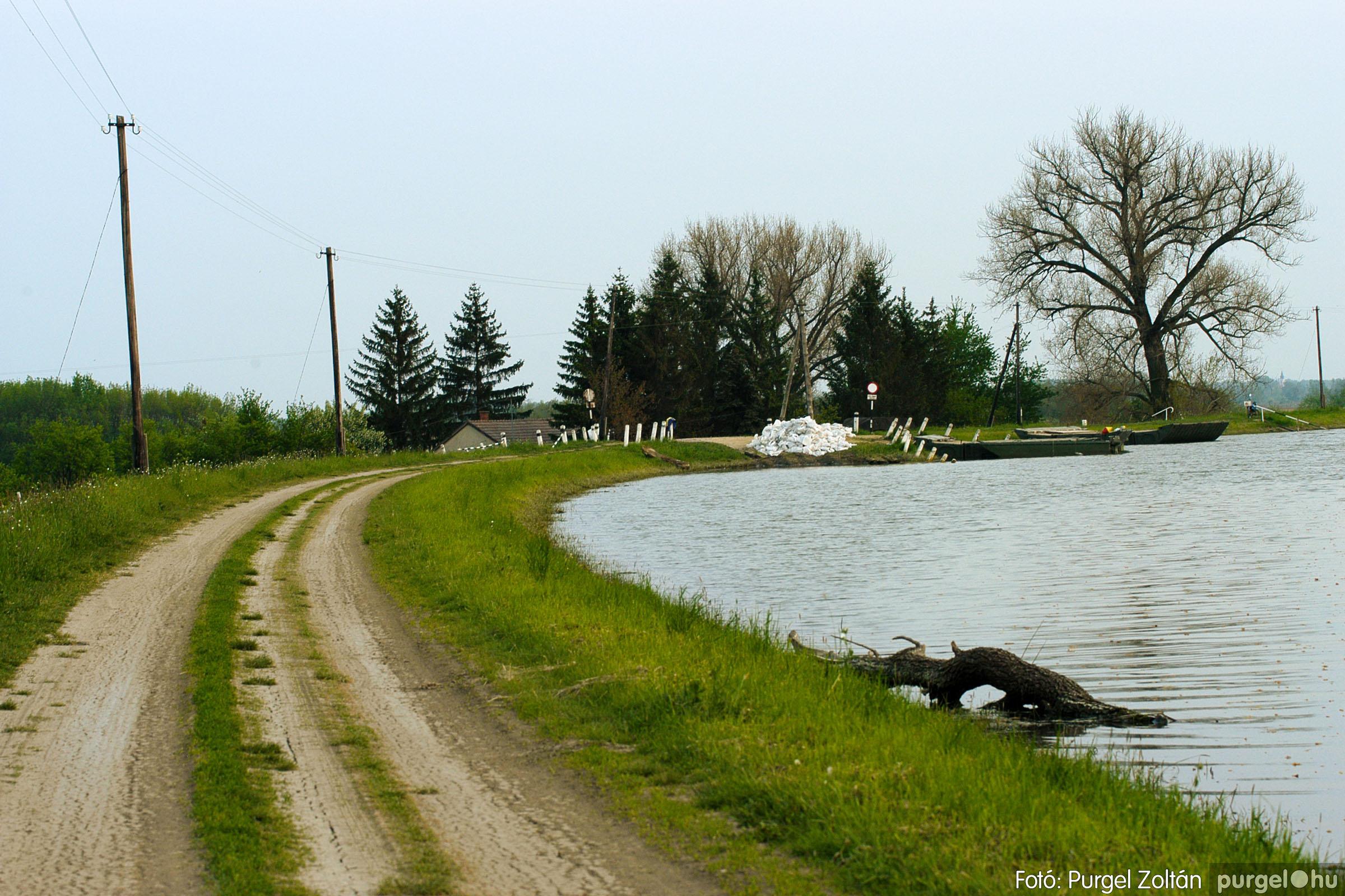 2006.04.29. 007 Tisza áradás - Fotó:PURGEL ZOLTÁN© DSC_0031q.jpg