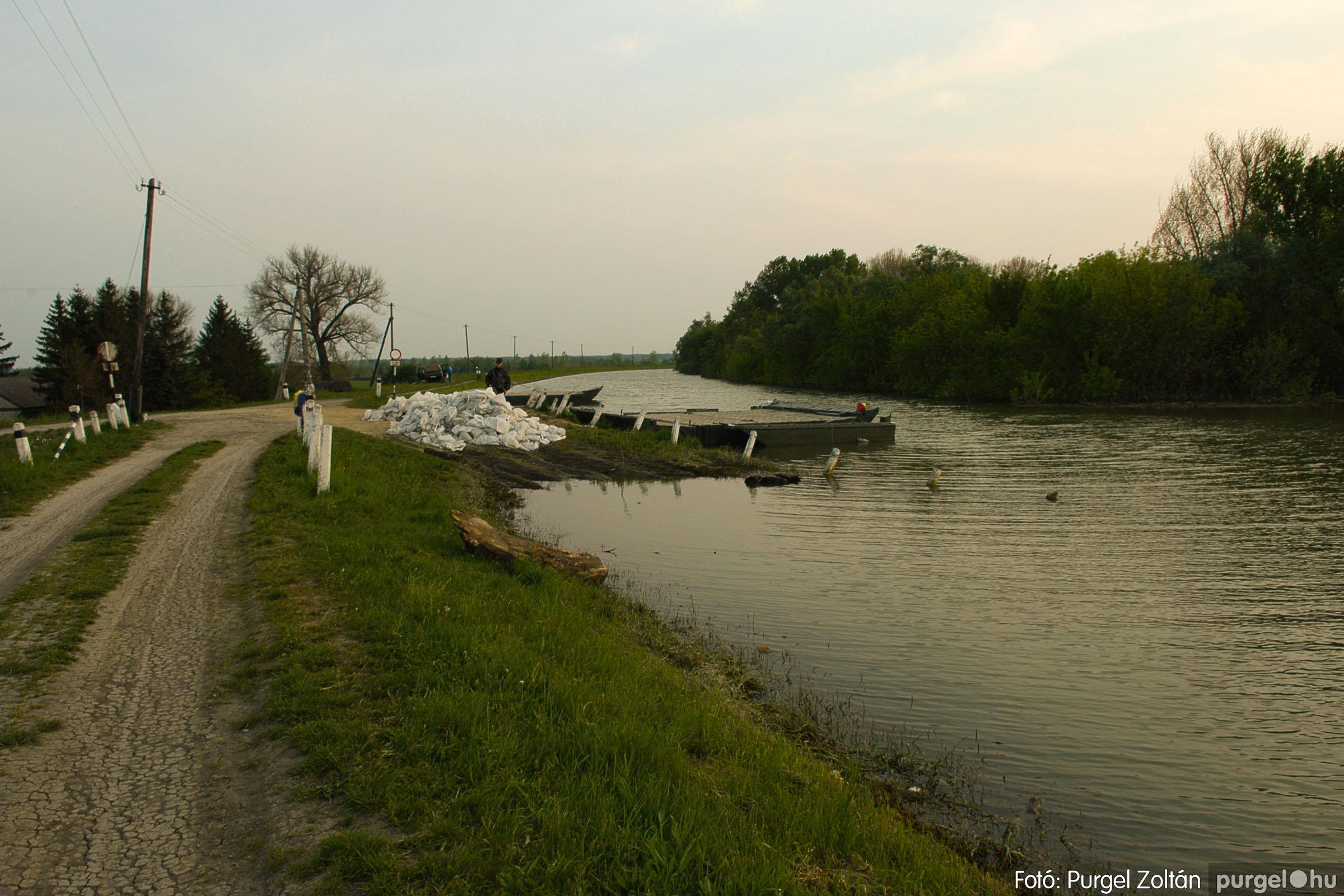 2006.04.29. 003 Tisza áradás - Fotó:PURGEL ZOLTÁN© DSC_0025q.jpg
