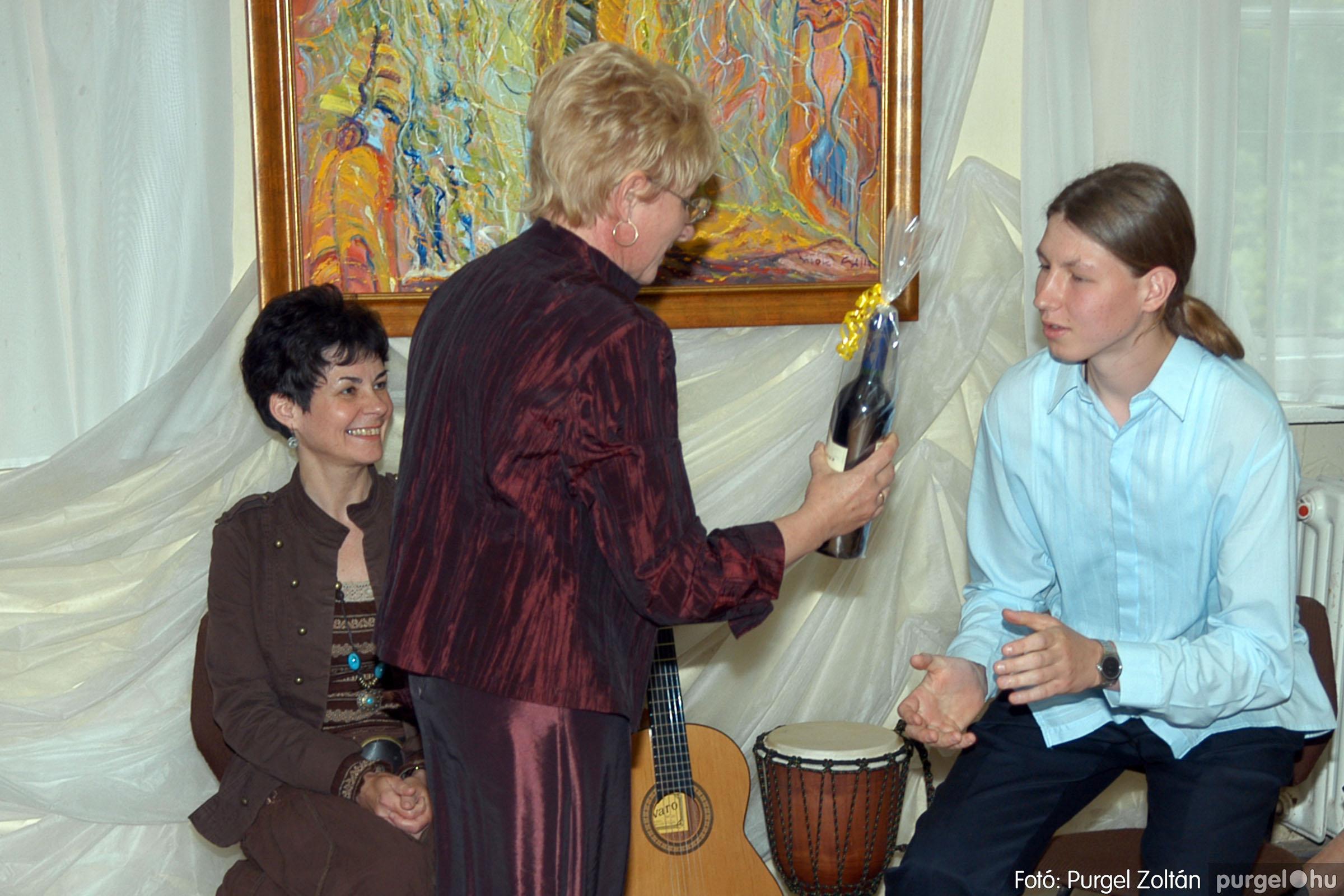 2006.04.30. 028 Virók Csilla festőművész kiállítása - Fotó:PURGEL ZOLTÁN© DSC_0035q.jpg
