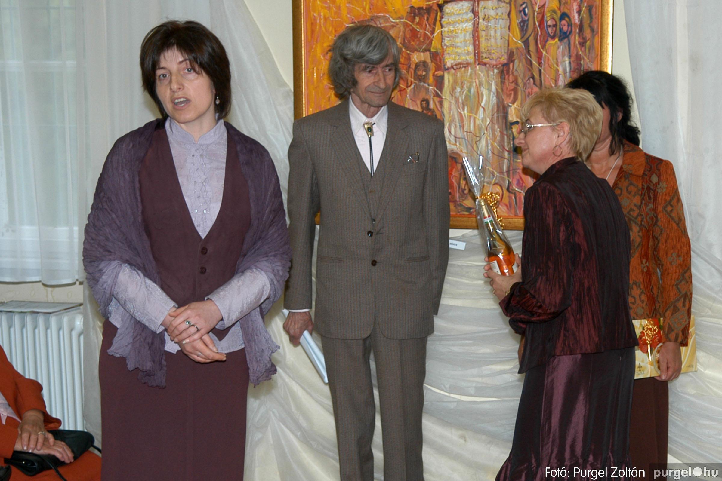 2006.04.30. 020 Virók Csilla festőművész kiállítása - Fotó:PURGEL ZOLTÁN© DSC_0023q.jpg