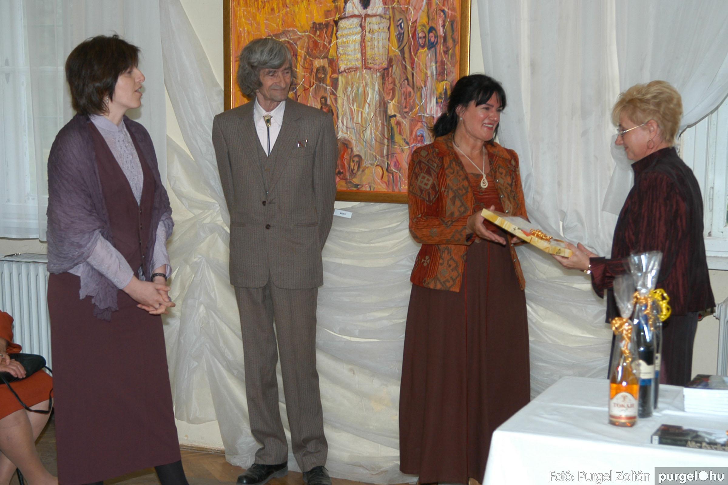 2006.04.30. 018 Virók Csilla festőművész kiállítása - Fotó:PURGEL ZOLTÁN© DSC_0020q.jpg