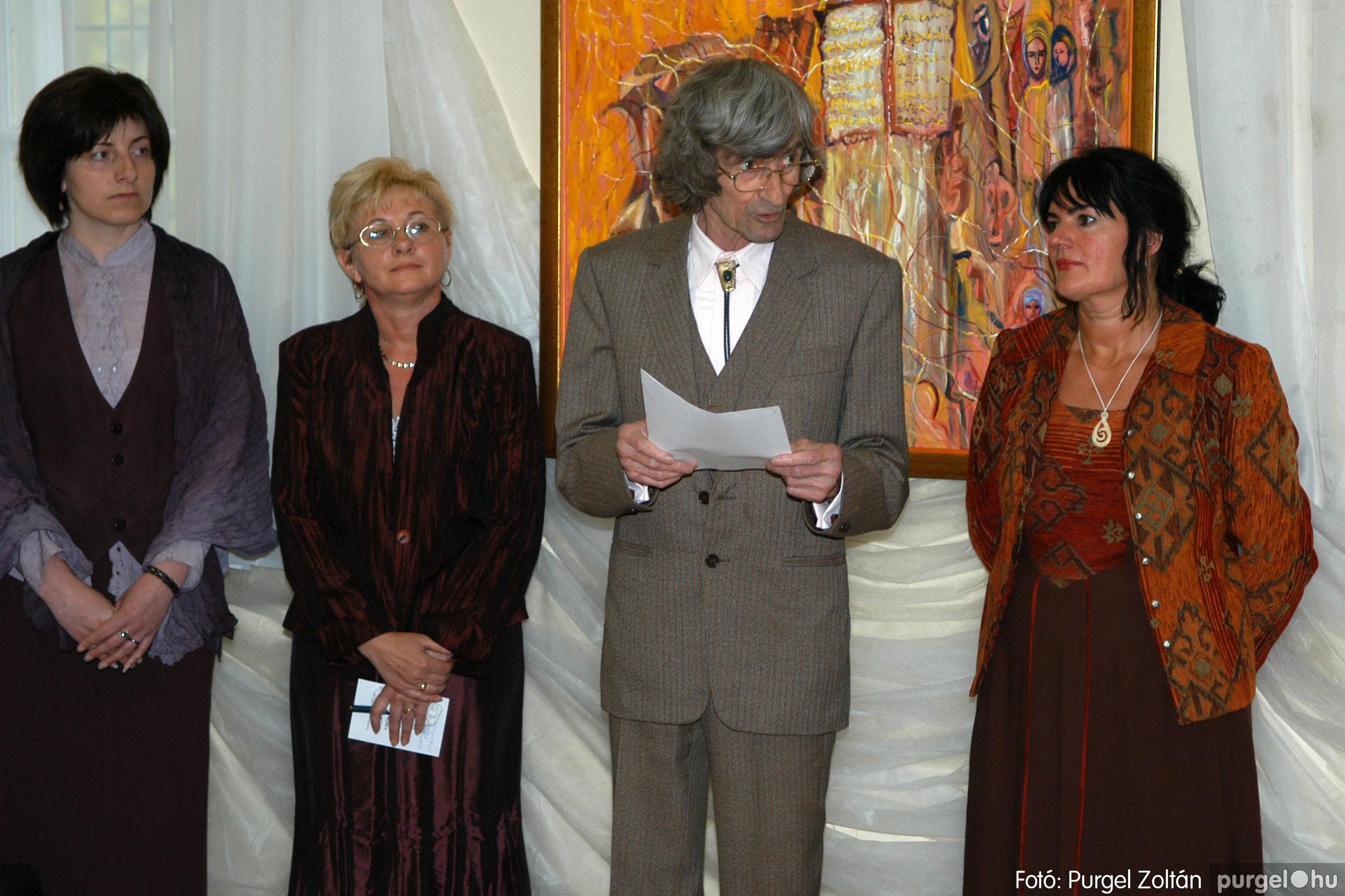 2006.04.30. 013 Virók Csilla festőművész kiállítása - Fotó:PURGEL ZOLTÁN© DSC_0015q.jpg