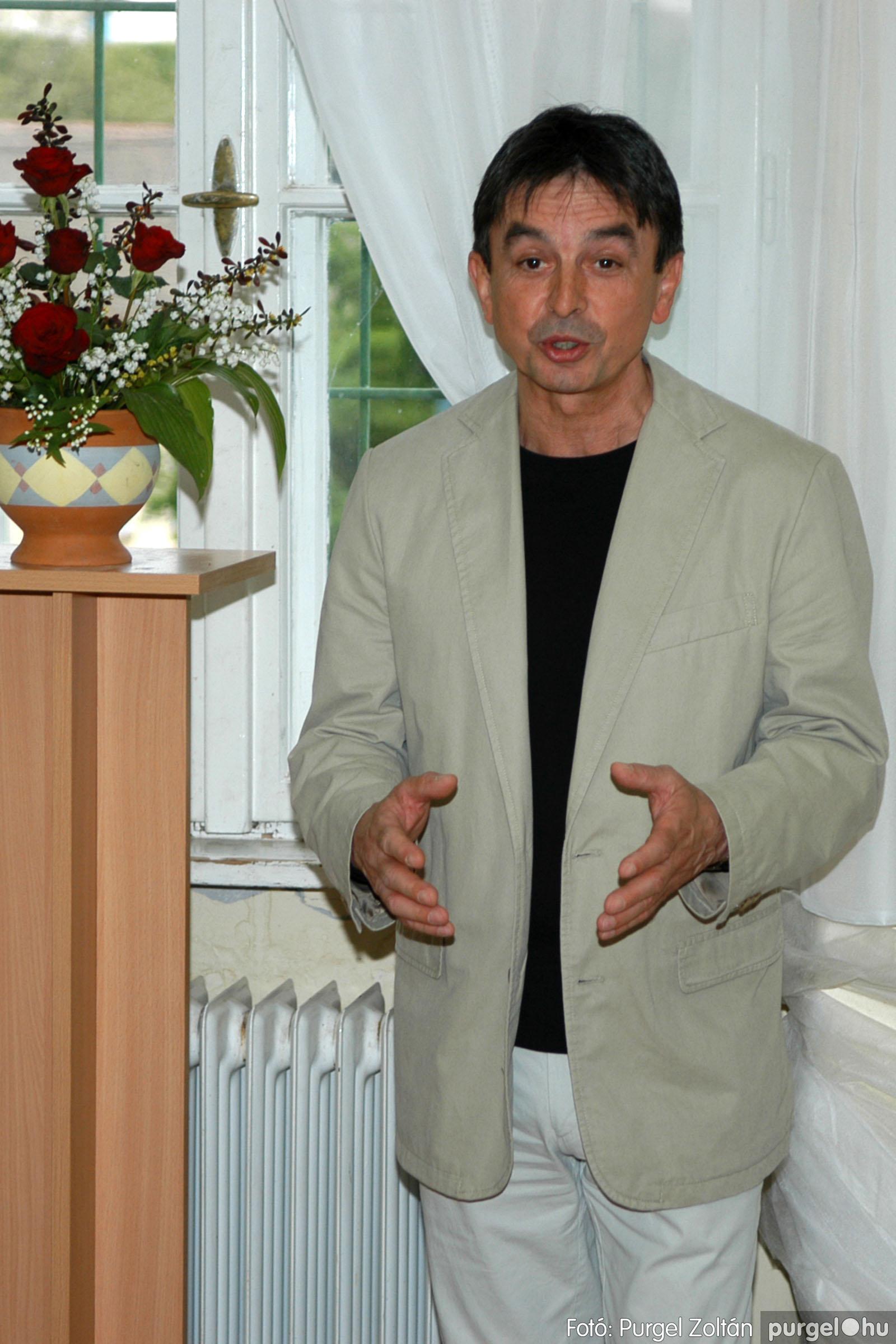 2006.04.30. 006 Virók Csilla festőművész kiállítása - Fotó:PURGEL ZOLTÁN© DSC_0008q.jpg