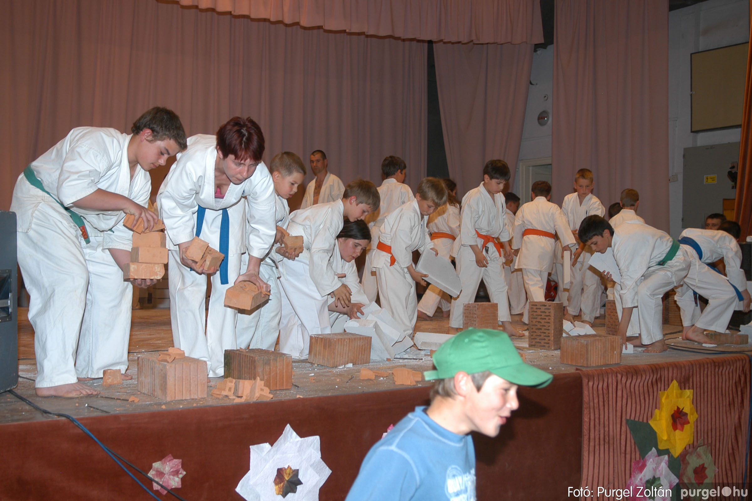 2006.05.01. 115 Május elseje - Fotó:PURGEL ZOLTÁN© DSC_0167q.jpg
