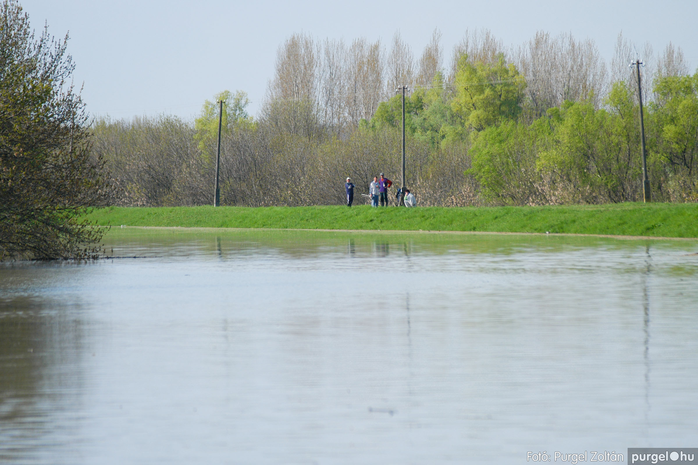 2006.04.17. 020 Tisza áradás - Fotó:PURGEL ZOLTÁN© DSC_0039q.jpg