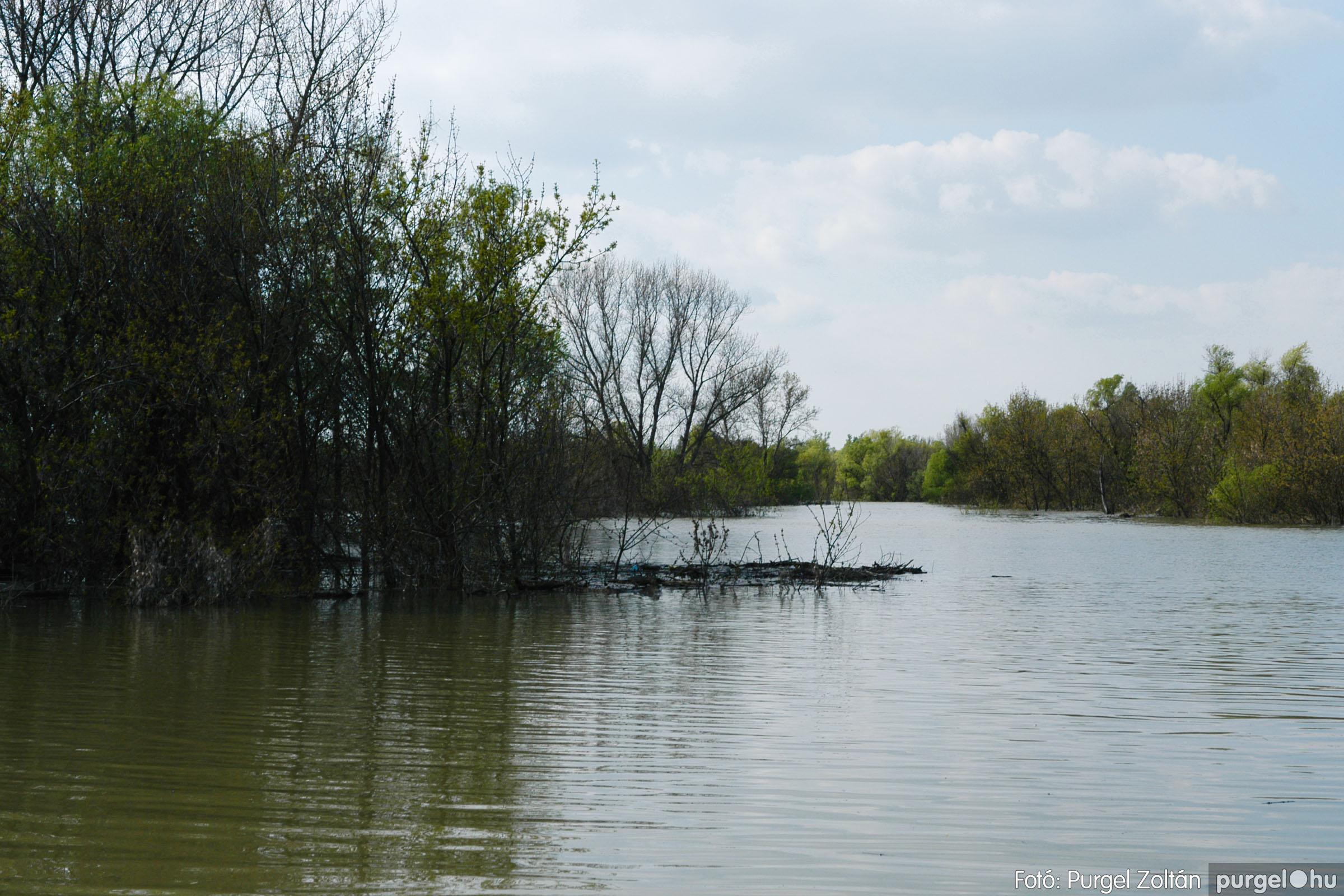 2006.04.17. 024 Tisza áradás - Fotó:PURGEL ZOLTÁN© DSC_0050q.jpg