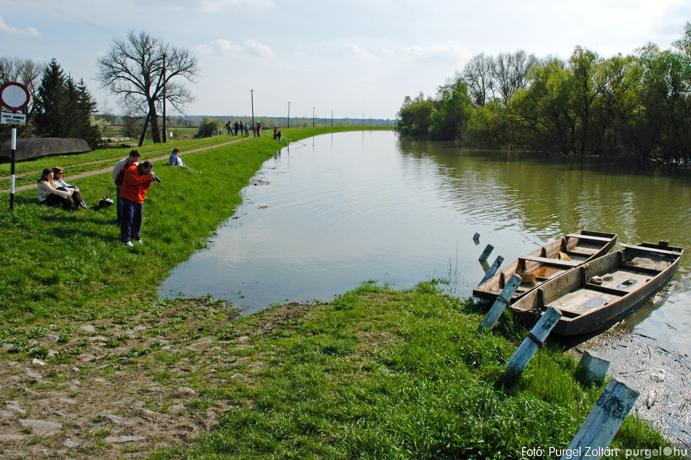 2006.04.17. 023 Tisza áradás - Fotó:PURGEL ZOLTÁN© DSC_0049q.jpg