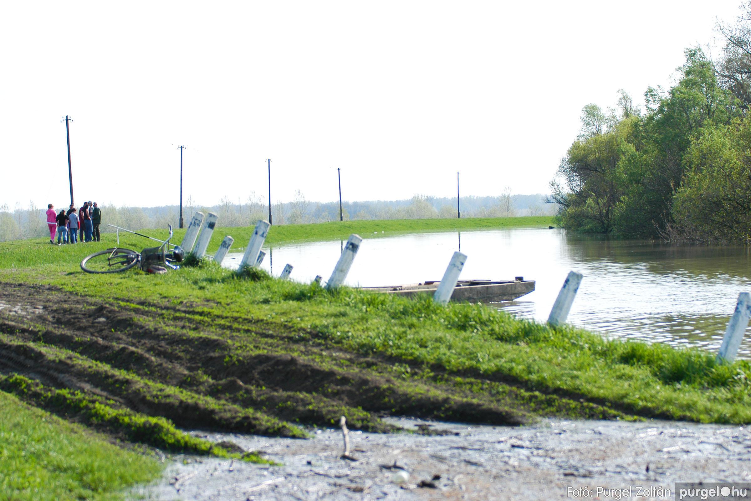2006.04.17. 017 Tisza áradás - Fotó:PURGEL ZOLTÁN© DSC_0034q.jpg