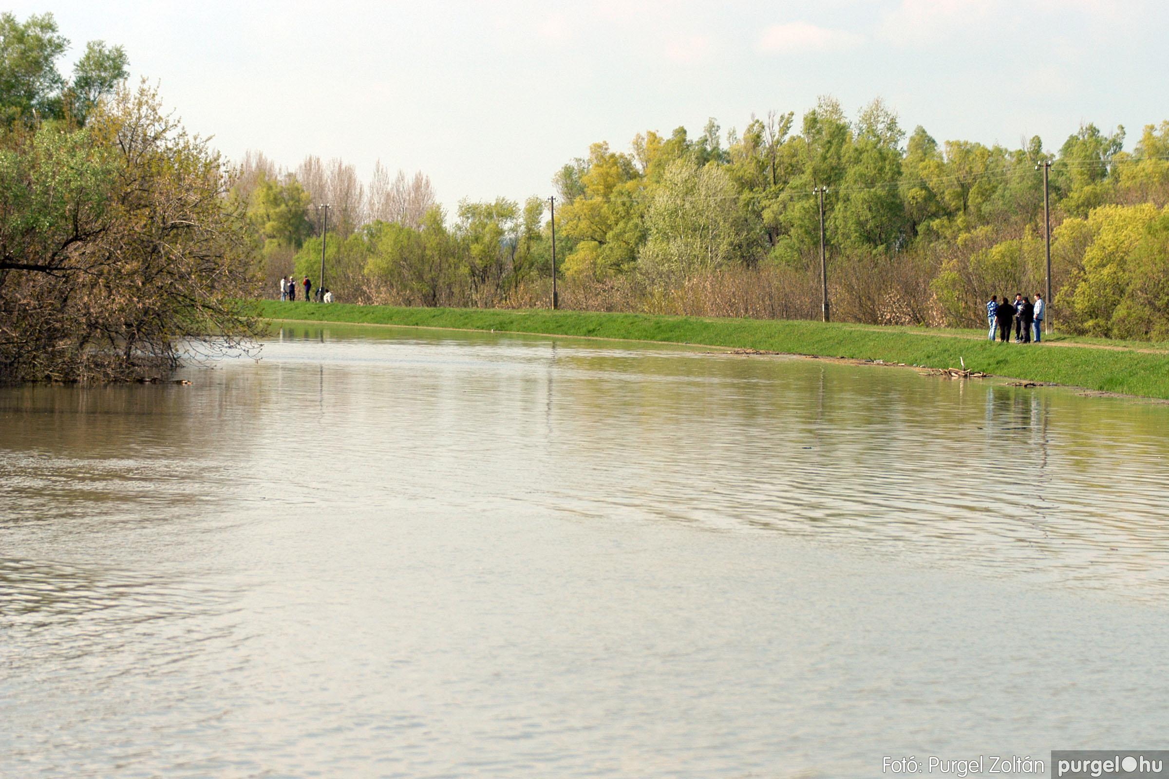 2006.04.17. 014 Tisza áradás - Fotó:PURGEL ZOLTÁN© DSC_0031q.jpg