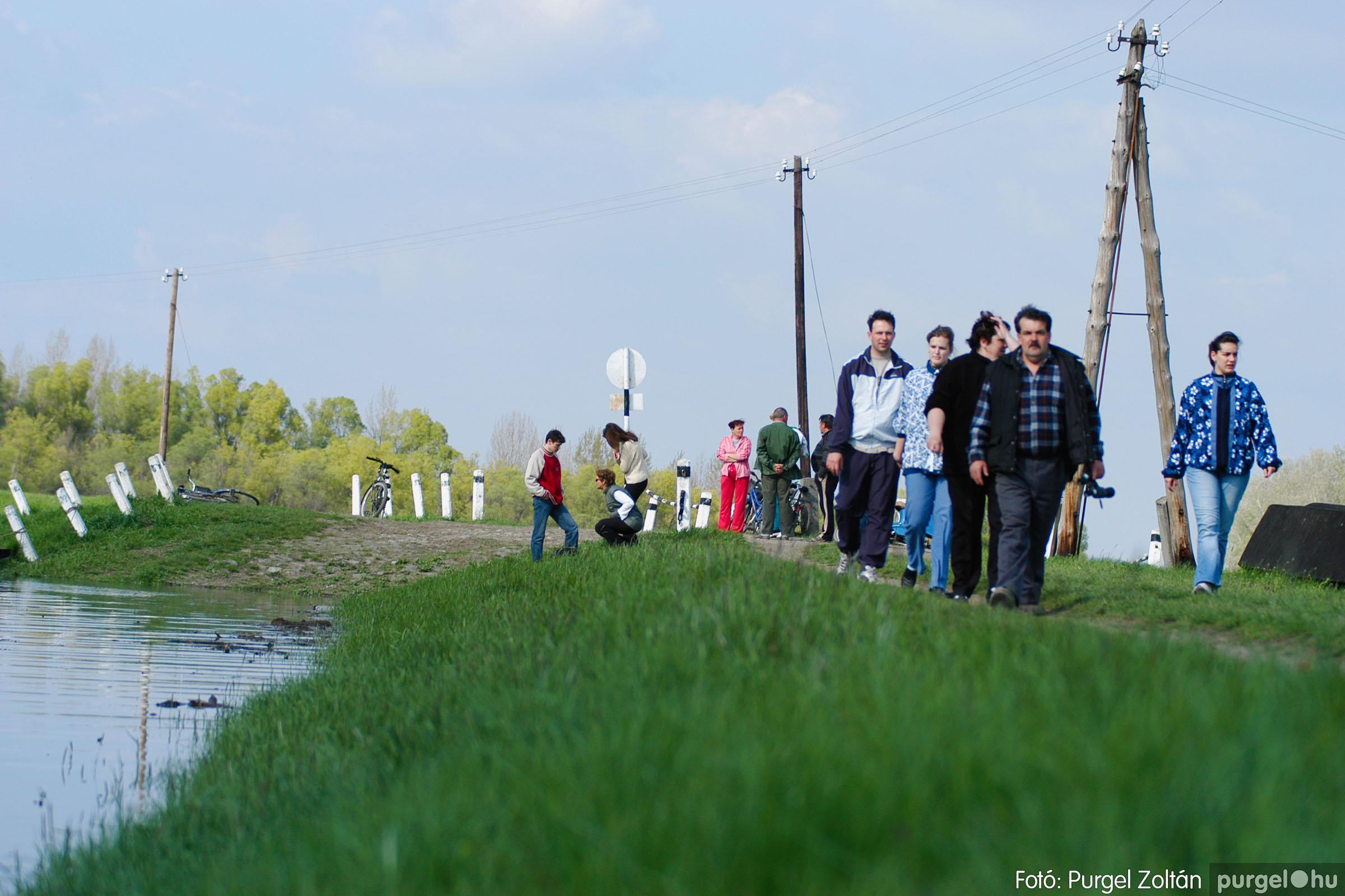 2006.04.17. 010 Tisza áradás - Fotó:PURGEL ZOLTÁN© DSC_0028q.jpg