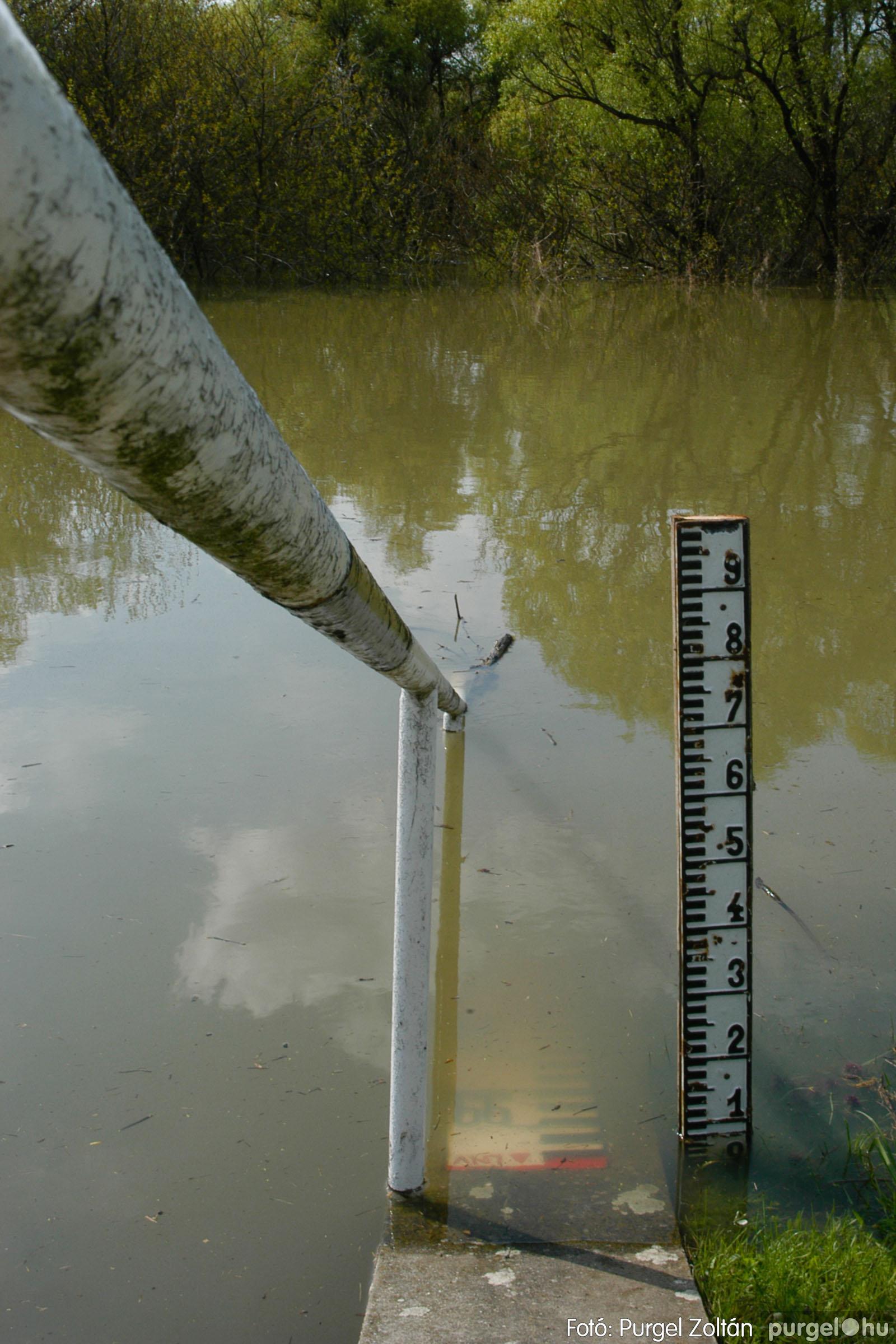 2006.04.17. 003 Tisza áradás - Fotó:PURGEL ZOLTÁN© DSC_0007q.jpg