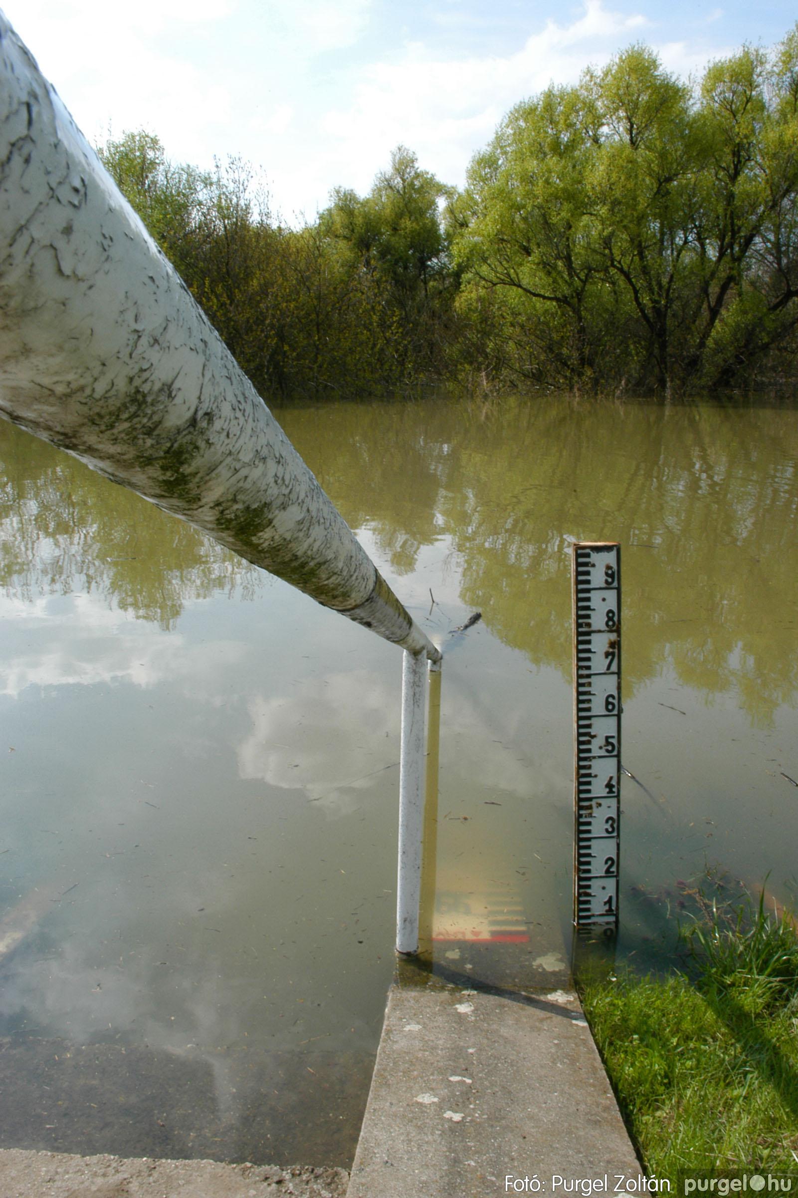 2006.04.17. 002 Tisza áradás - Fotó:PURGEL ZOLTÁN© DSC_0005q.jpg