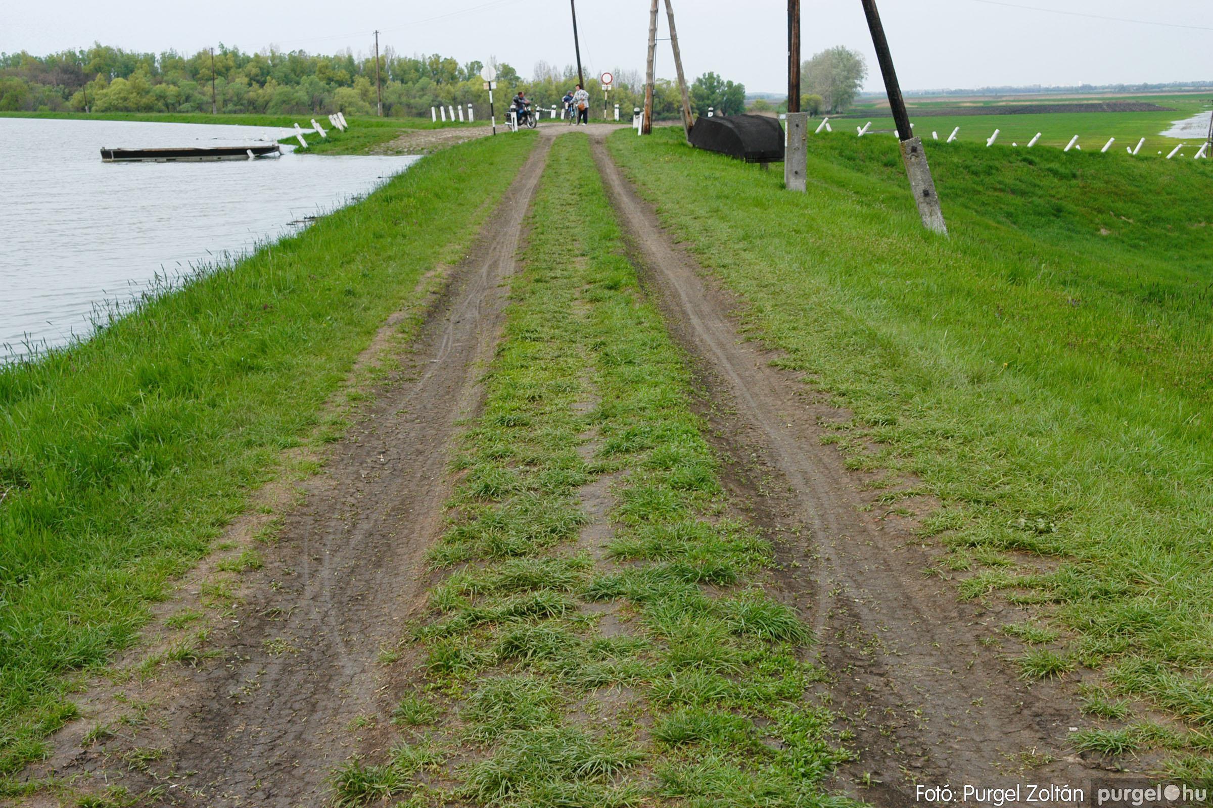 2006.04.19. 003 Tisza áradás - Fotó:PURGEL ZOLTÁN© DSC_0080q.jpg