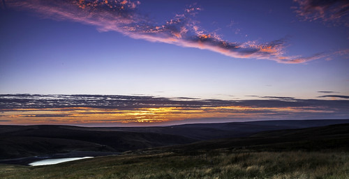 sunset sky red blue clouds yorkshire wessenden reservoirs wessendenreservoir westyorkshire themoors yorkshiremoors hour le longexposure