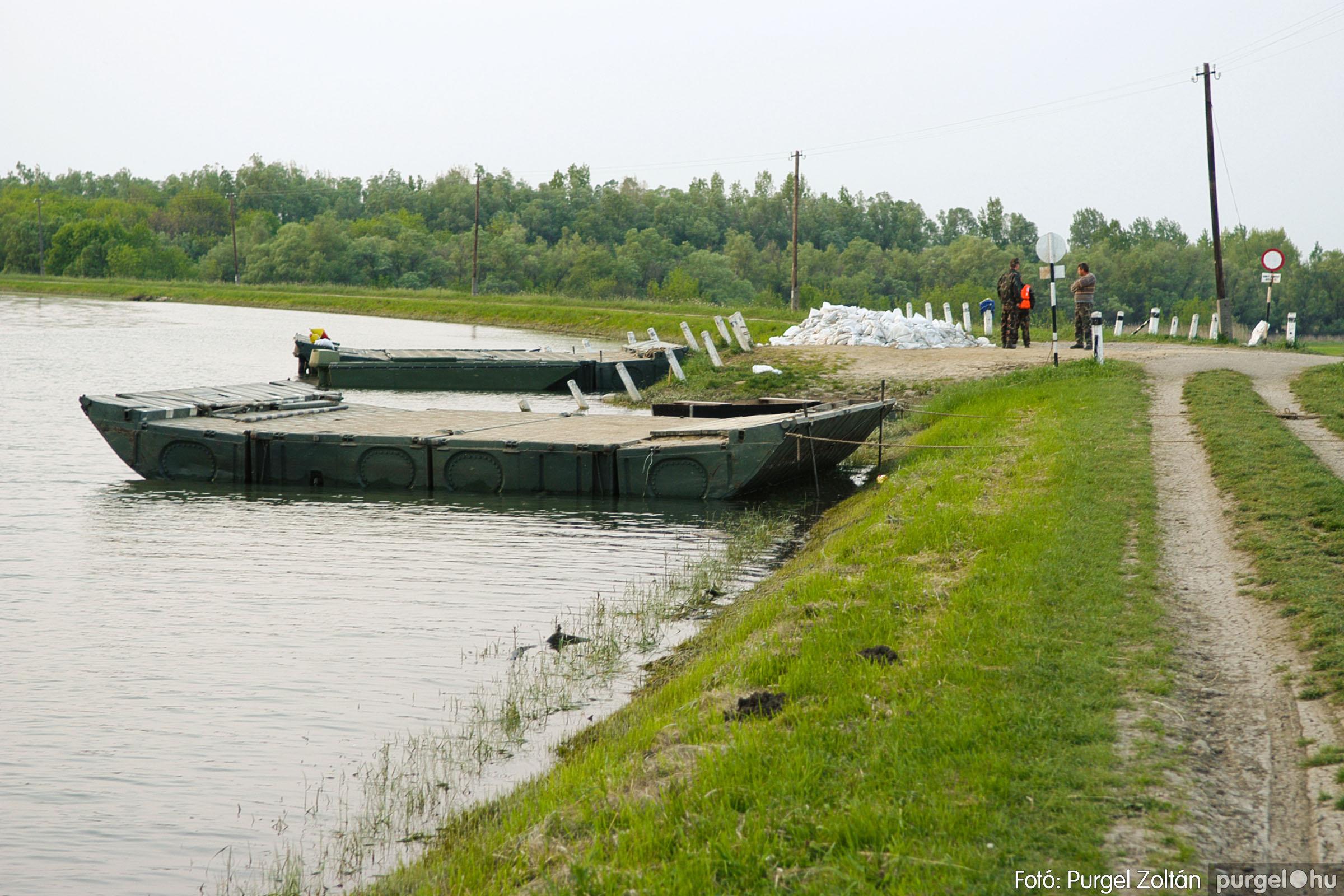 2006.04.29. 016 Tisza áradás - Fotó:PURGEL ZOLTÁN© DSC_0050q.jpg