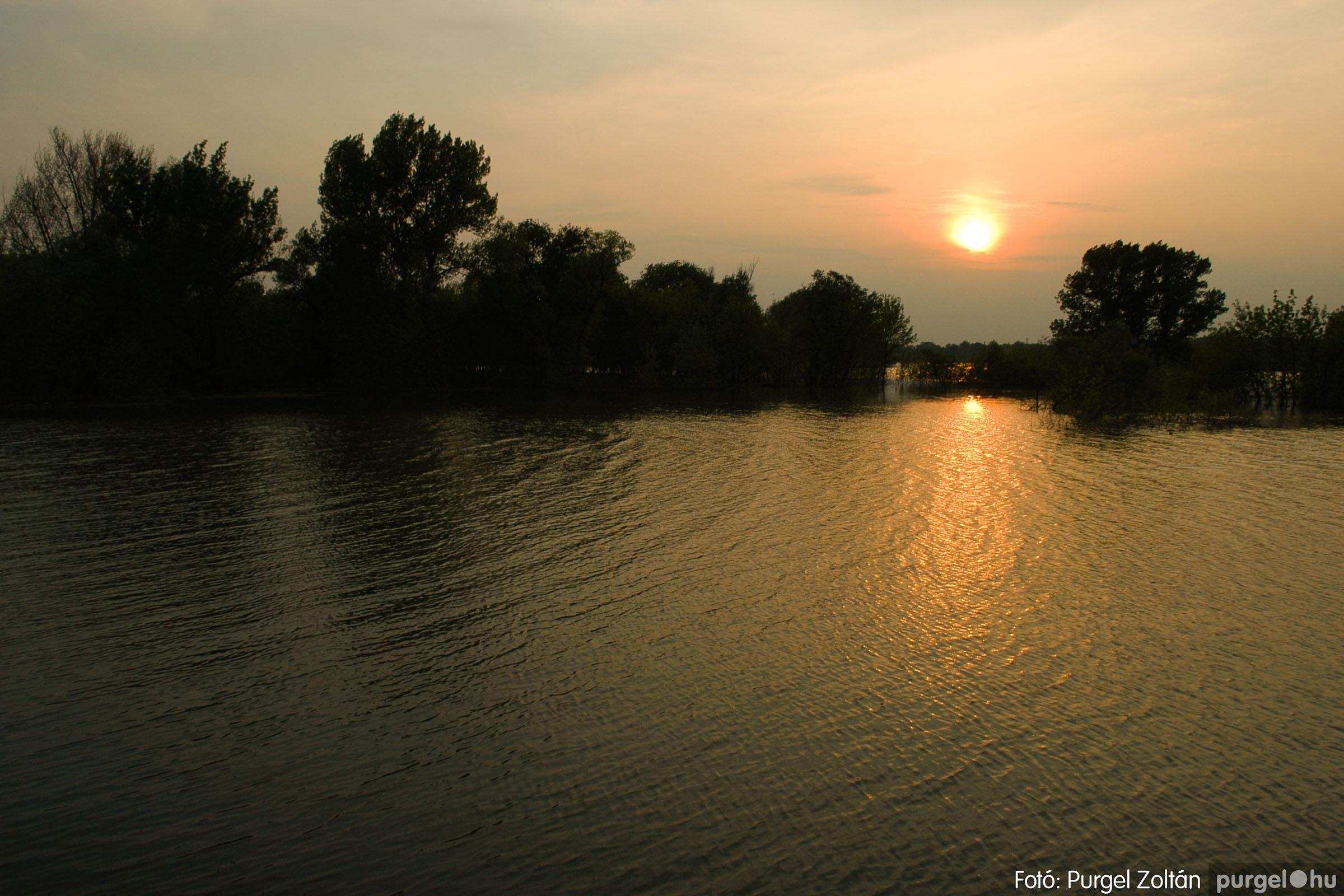 2006.04.29. 004 Tisza áradás - Fotó:PURGEL ZOLTÁN© DSC_0026q.jpg