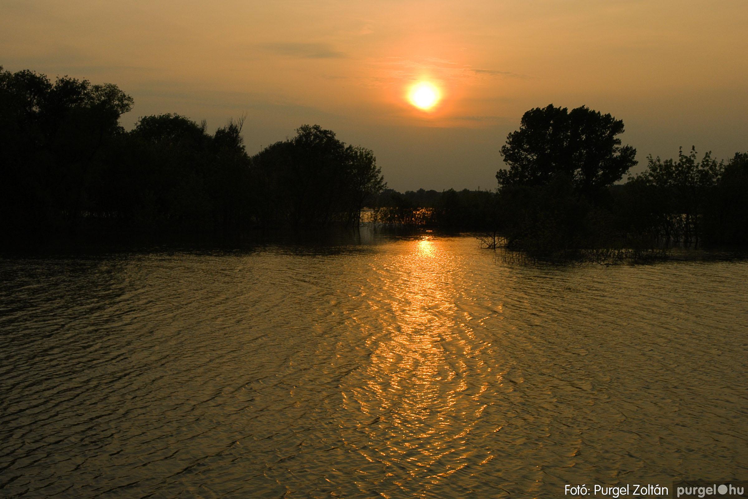2006.04.29. 001 Tisza áradás - Fotó:PURGEL ZOLTÁN© DSC_0022q.jpg