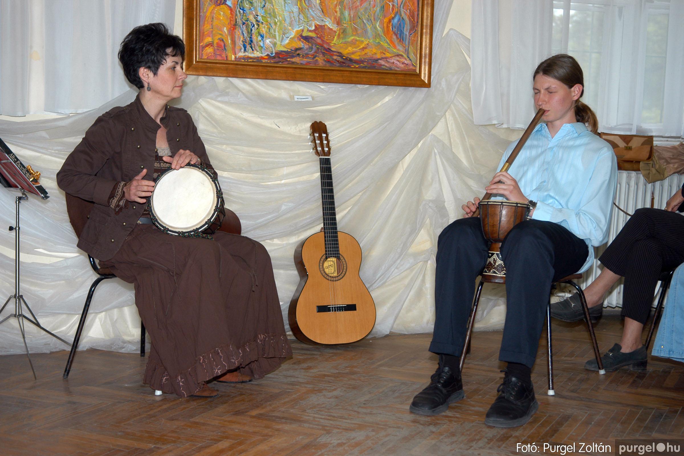 2006.04.30. 031 Virók Csilla festőművész kiállítása - Fotó:PURGEL ZOLTÁN© DSC_0038q.jpg