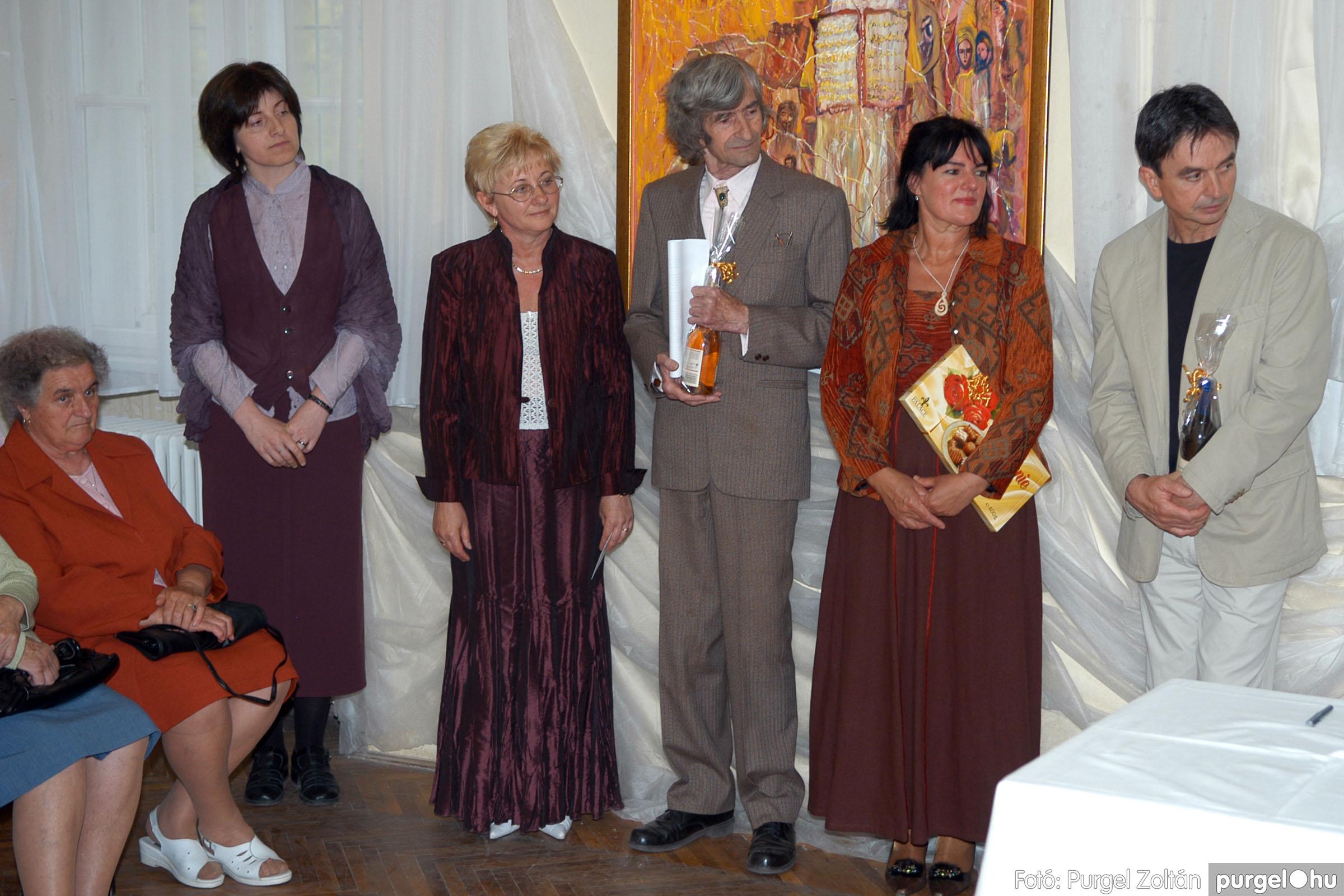 2006.04.30. 030 Virók Csilla festőművész kiállítása - Fotó:PURGEL ZOLTÁN© DSC_0037q.jpg