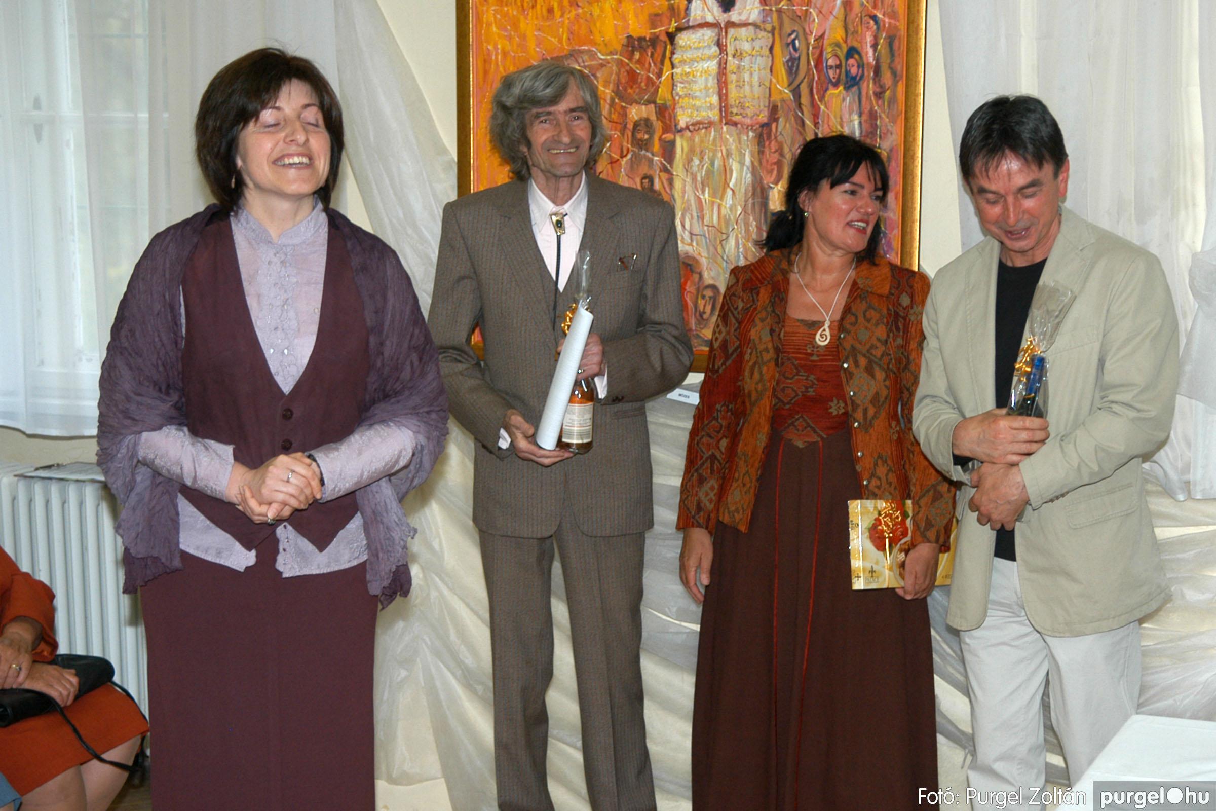 2006.04.30. 027 Virók Csilla festőművész kiállítása - Fotó:PURGEL ZOLTÁN© DSC_0034q.jpg