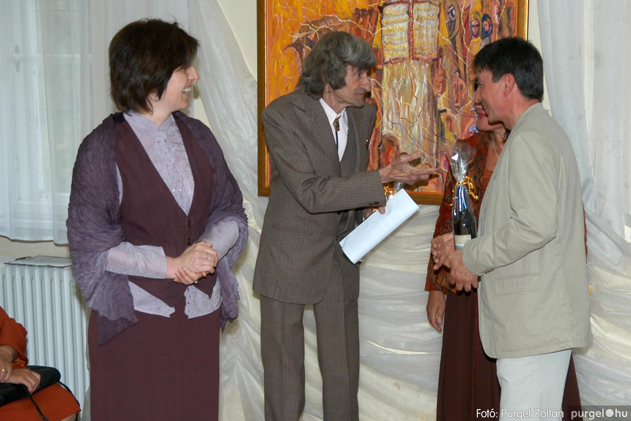 2006.04.30. 025 Virók Csilla festőművész kiállítása - Fotó:PURGEL ZOLTÁN© DSC_0032q.jpg