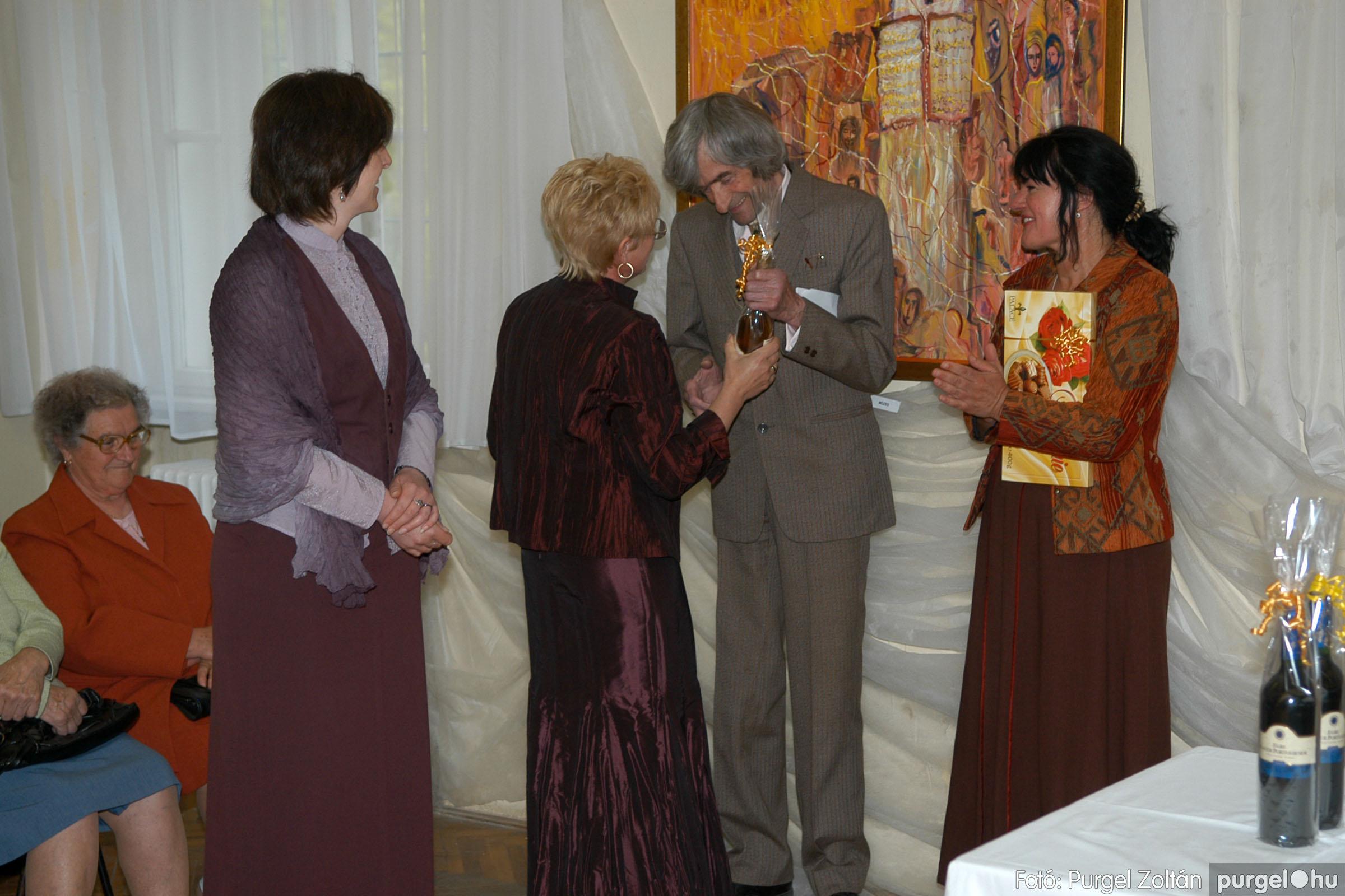2006.04.30. 022 Virók Csilla festőművész kiállítása - Fotó:PURGEL ZOLTÁN© DSC_0026q.jpg