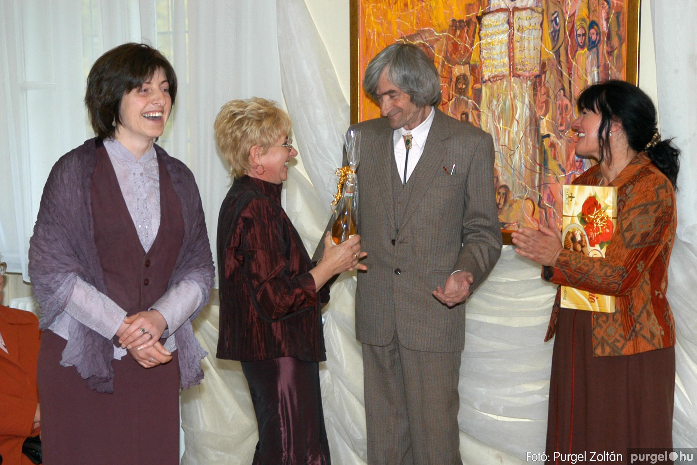 2006.04.30. 021 Virók Csilla festőművész kiállítása - Fotó:PURGEL ZOLTÁN© DSC_0024q.jpg