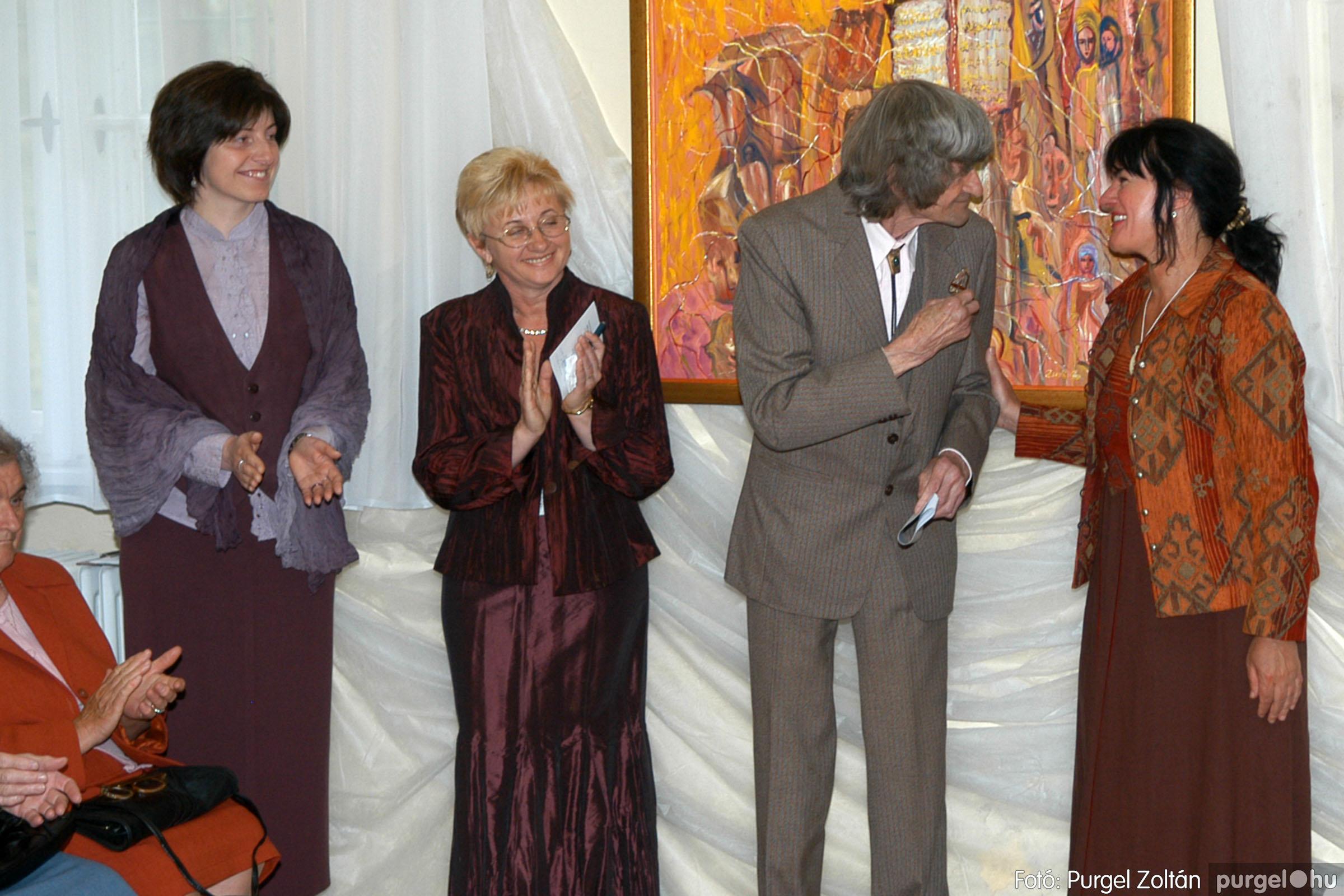 2006.04.30. 016 Virók Csilla festőművész kiállítása - Fotó:PURGEL ZOLTÁN© DSC_0018q.jpg