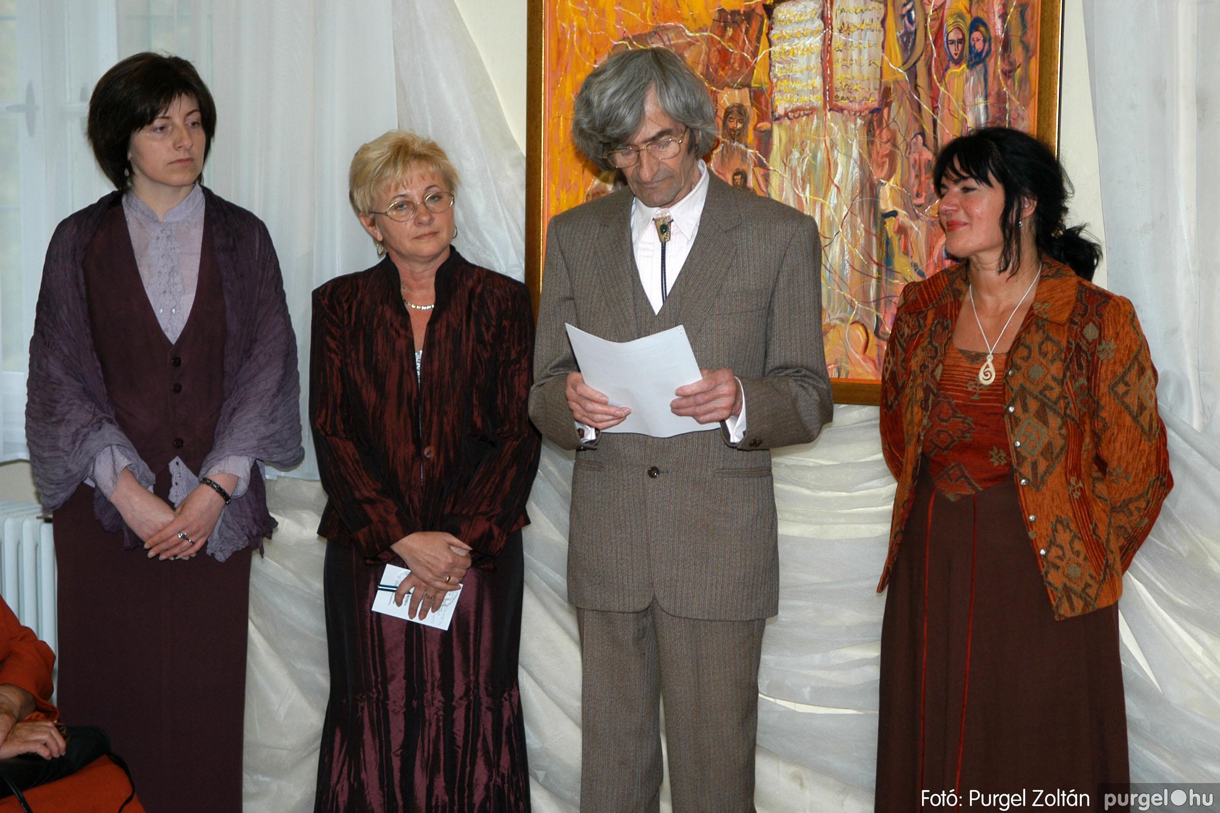 2006.04.30. 011 Virók Csilla festőművész kiállítása - Fotó:PURGEL ZOLTÁN© DSC_0013q.jpg