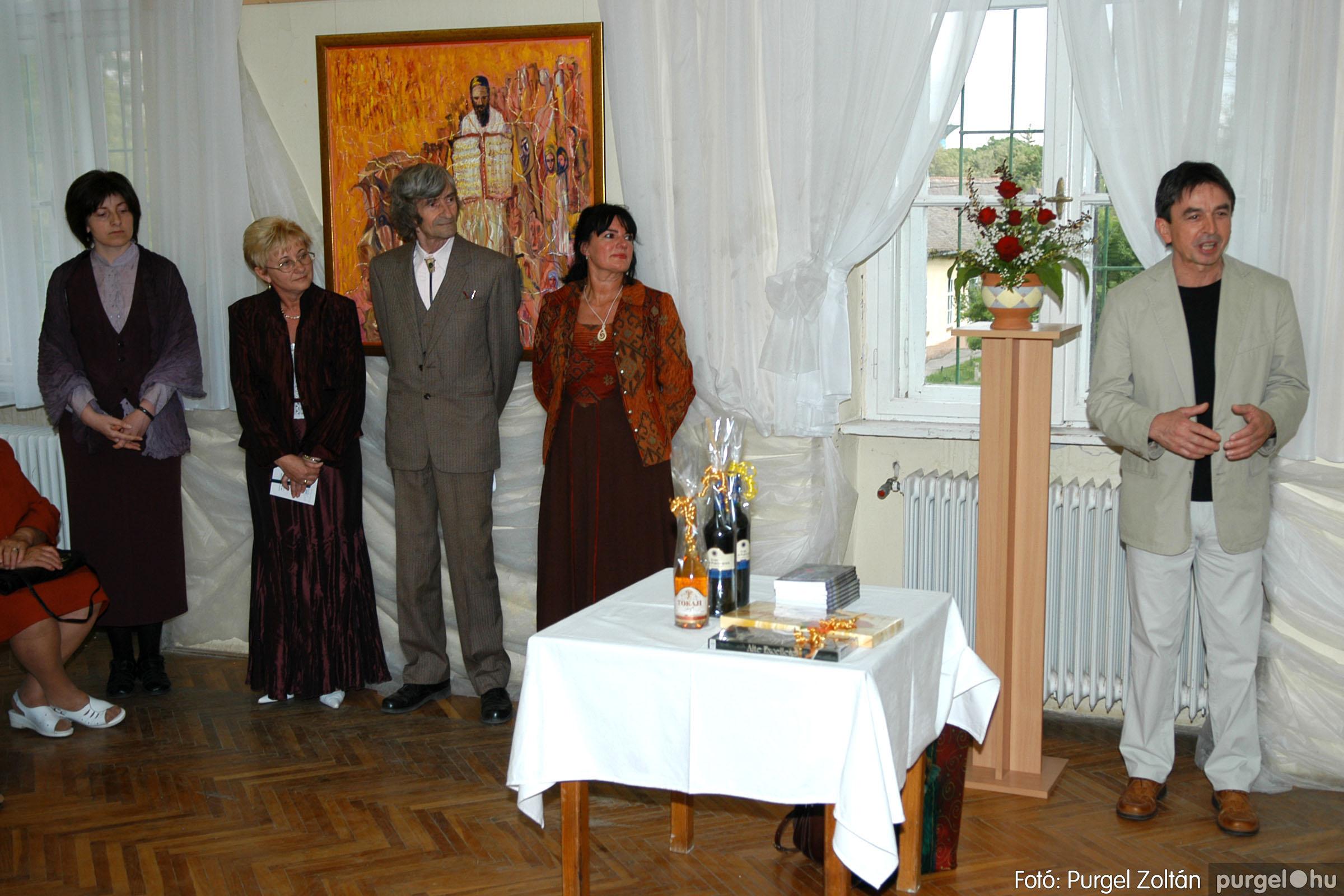 2006.04.30. 007 Virók Csilla festőművész kiállítása - Fotó:PURGEL ZOLTÁN© DSC_0009q.jpg