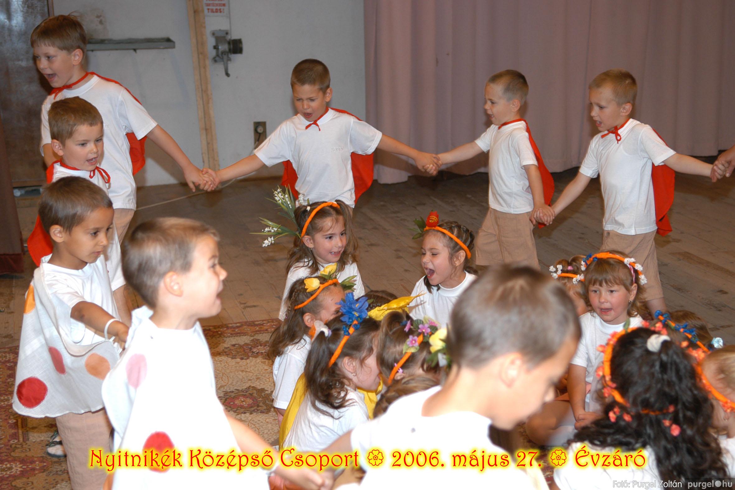 2006.05.27. 158 Kurca-parti Óvoda évzáró 2006. - Nyitnikék csoport - Fotó:PURGEL ZOLTÁN© 526.jpg