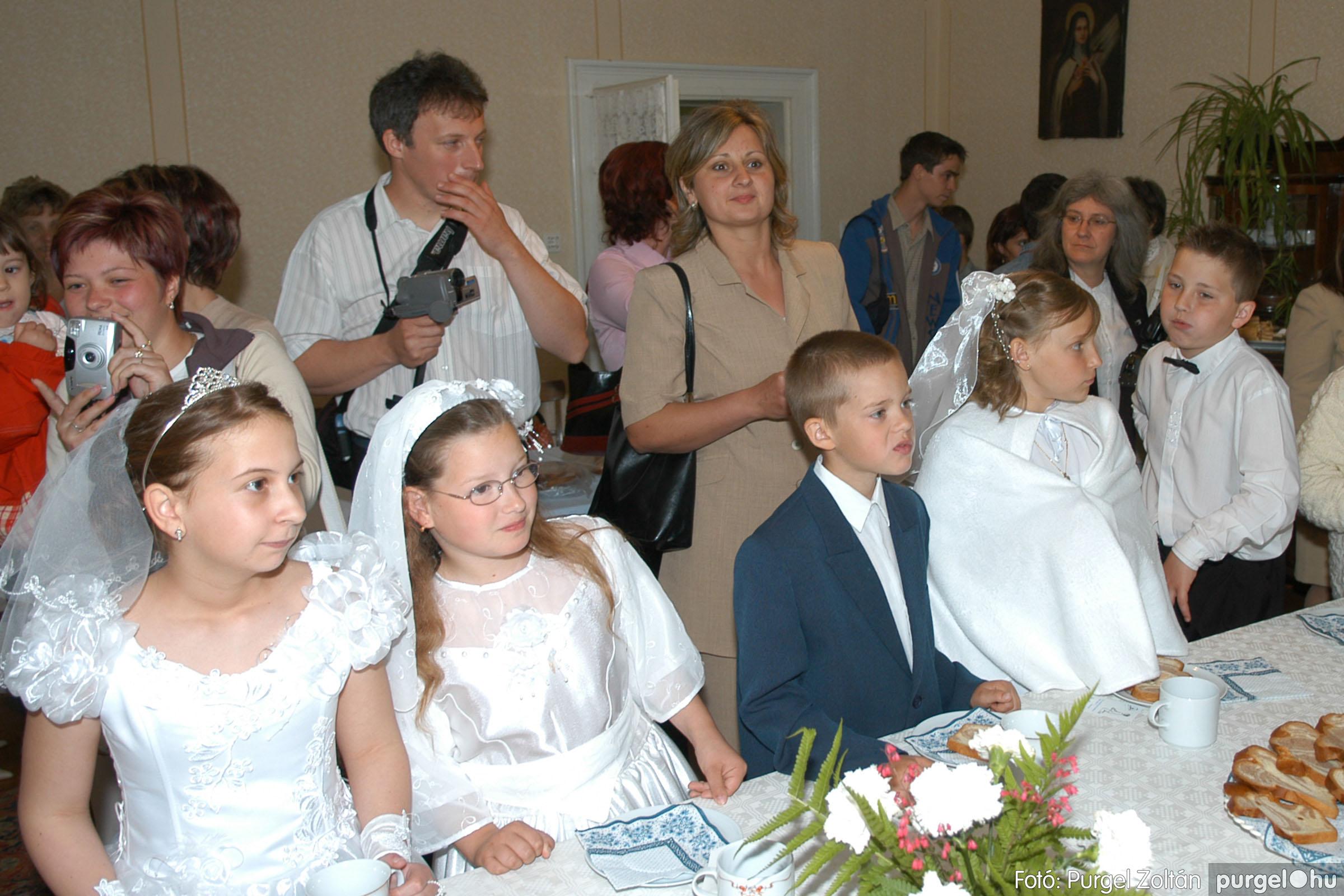 2006.05.21. 083 Kisboldogasszony templom elsőáldozás - Fotó:PURGEL ZOLTÁN© DSC_0355q.jpg