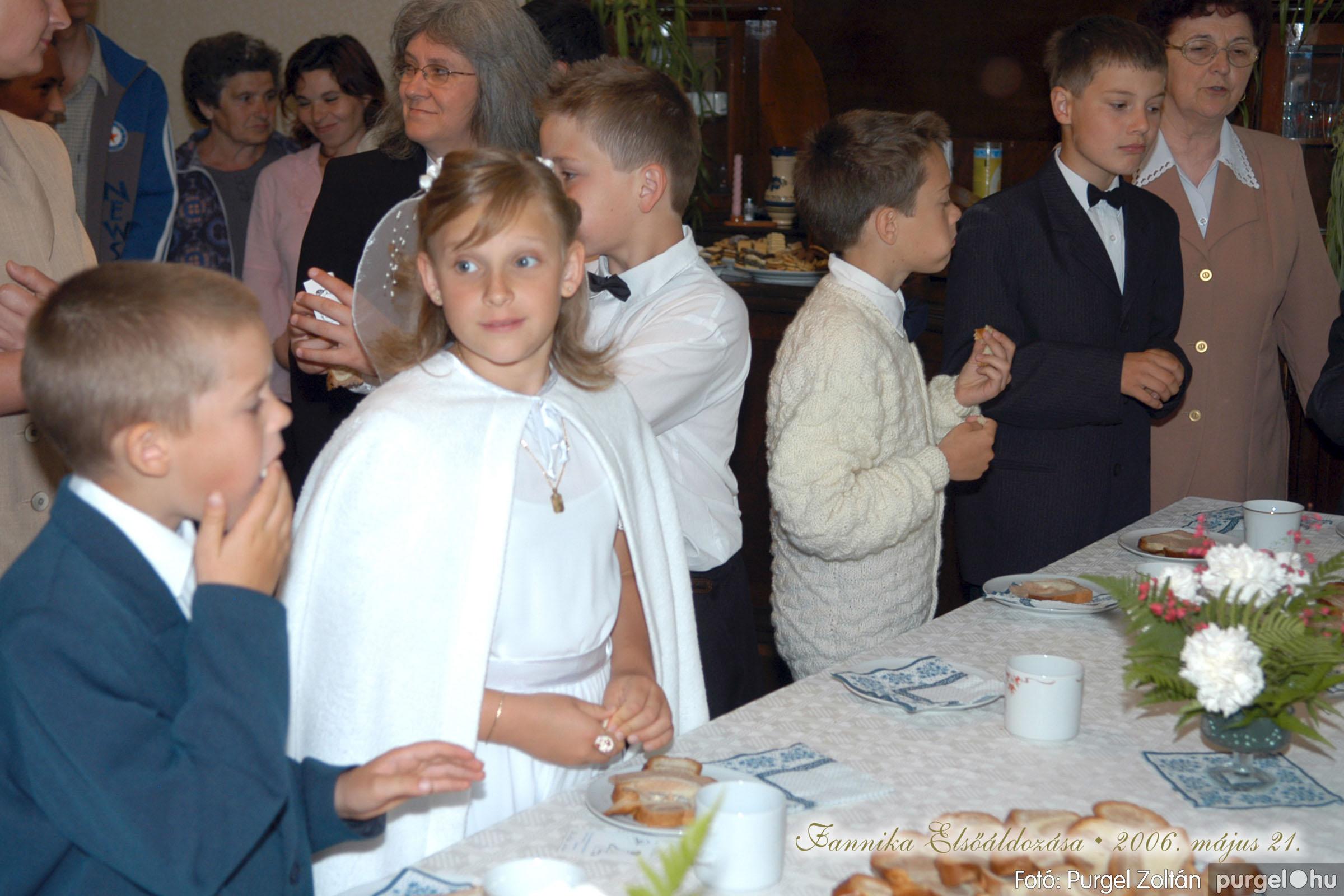 2006.05.21. 082 Kisboldogasszony templom elsőáldozás - Fotó:PURGEL ZOLTÁN© DSC_0354q.jpg