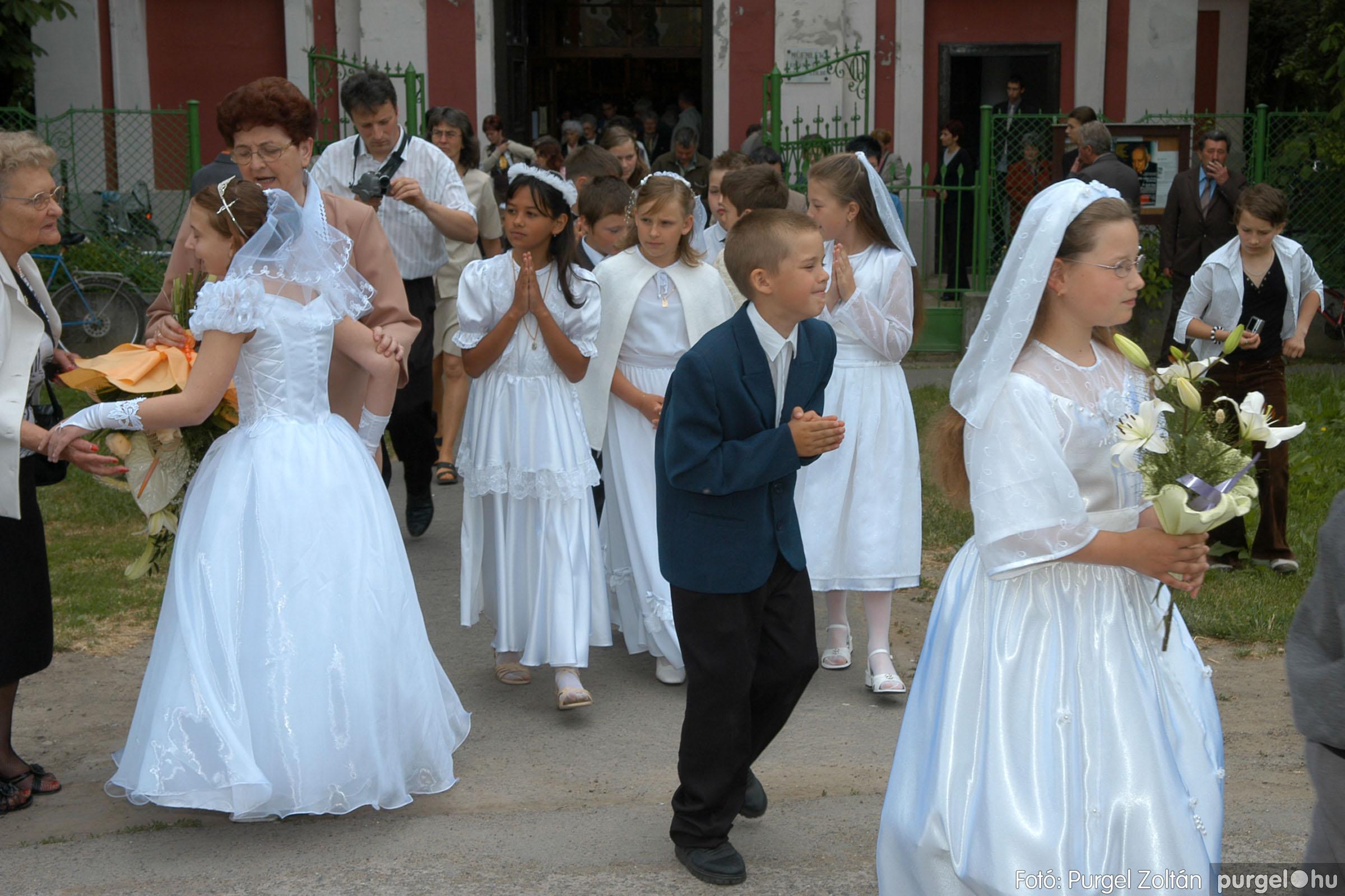 2006.05.21. 070 Kisboldogasszony templom elsőáldozás - Fotó:PURGEL ZOLTÁN© DSC_0339q.jpg